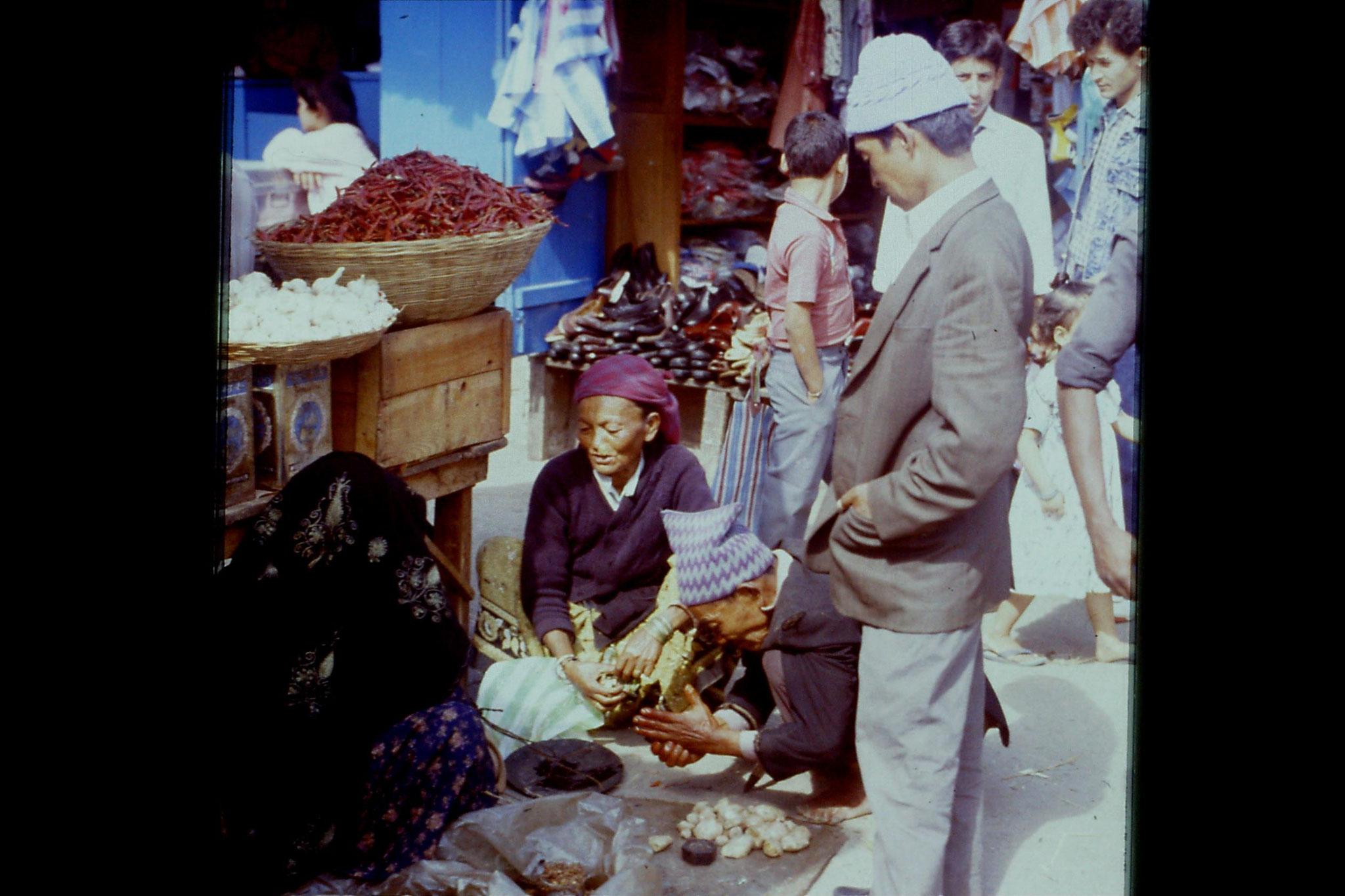 115/4: 22/4/1990 Gangtok - Lal Market