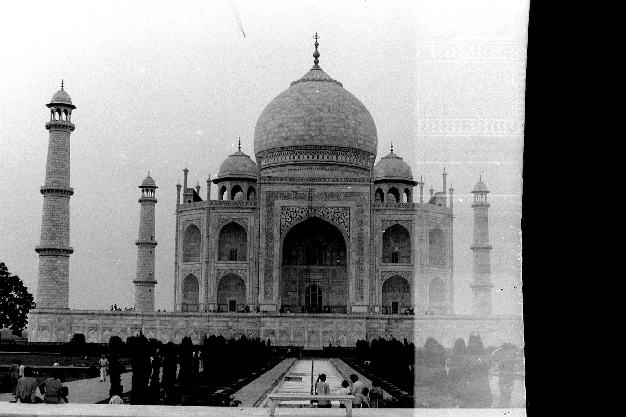 30/3/90: 32: Agra Taj Mahal