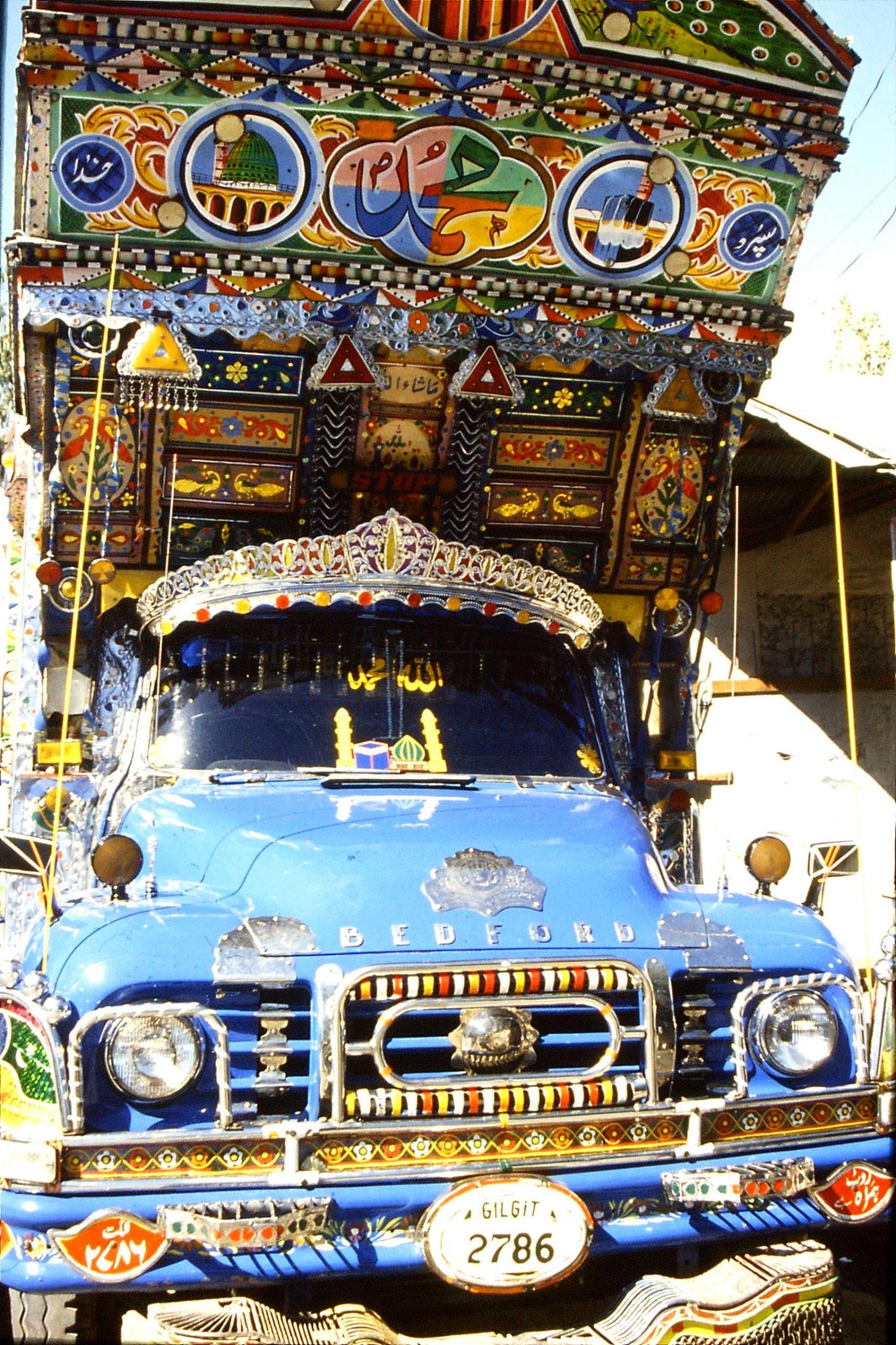 9/10/1989: 2: Gilgit, Bedford lorry