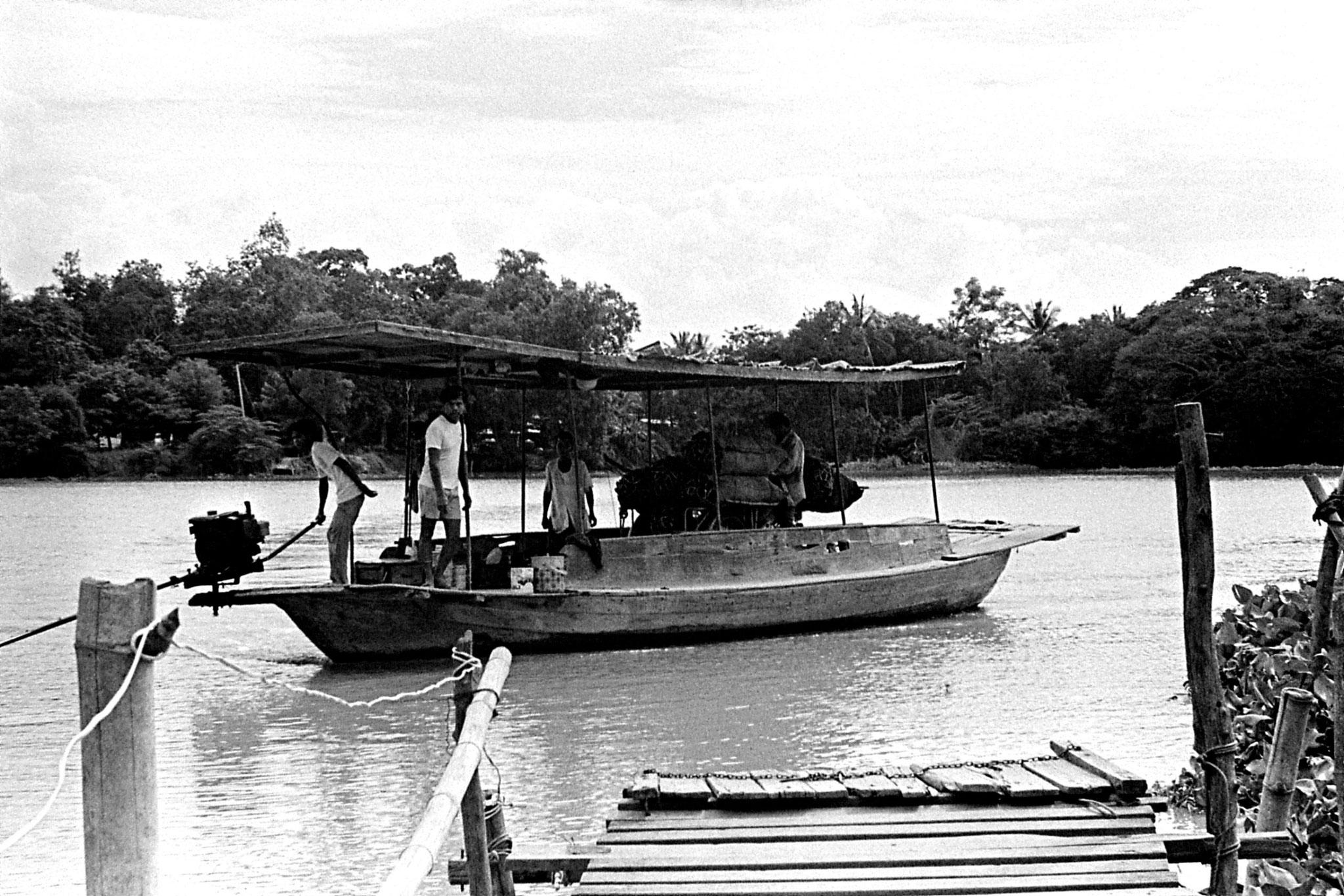 7/6/1990: 3: Manorom, ferry