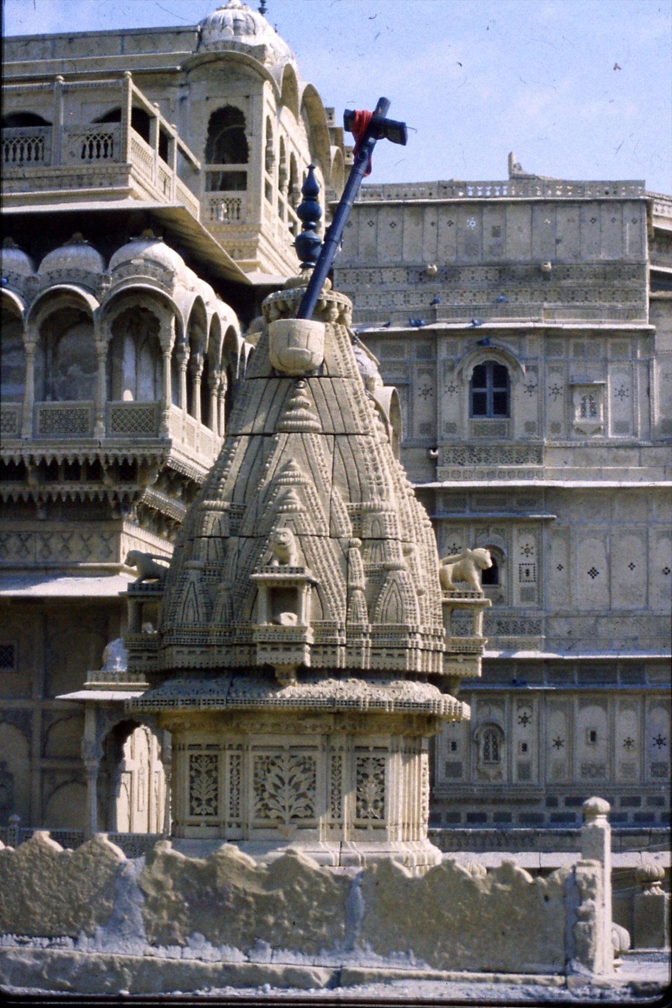2/12/1989: 32: Jaisalmer Jain Temple & havelli