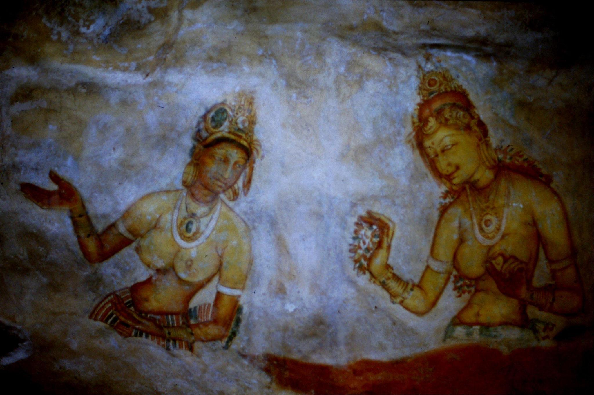 102/29: 7/2/1990 Sigiriya fresco