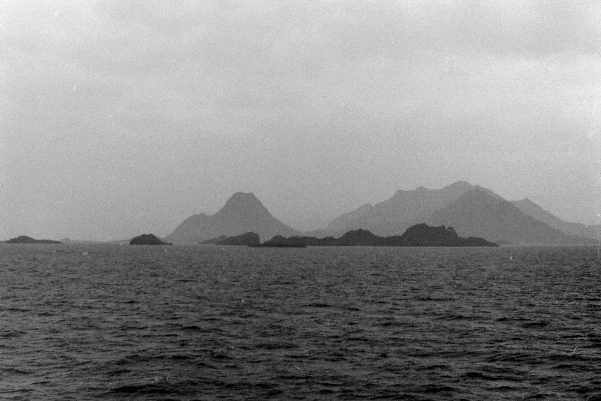 24/9/1988: 19:  approaching Lofoten Is.