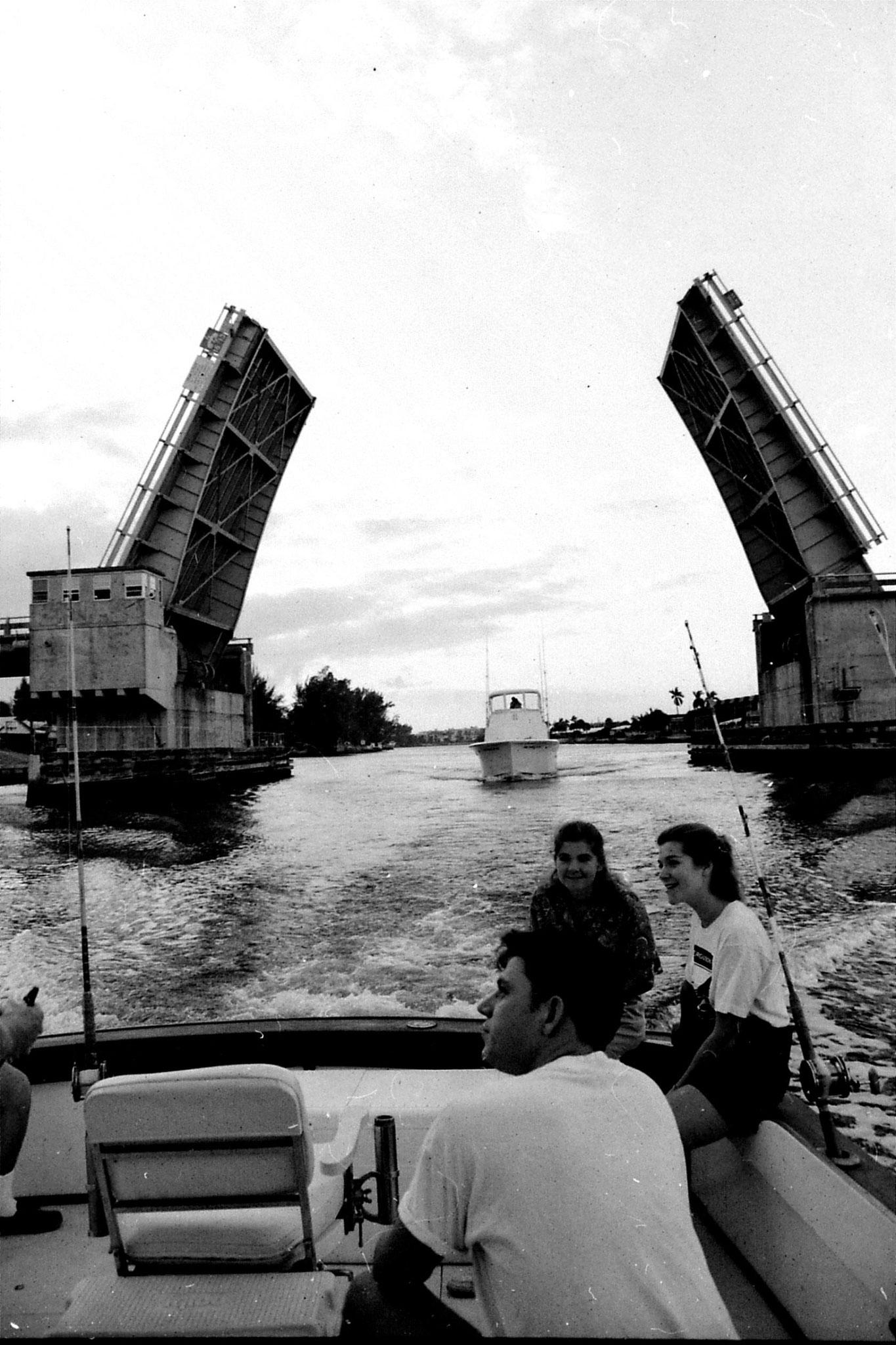 12/1990: 19: Fishing trip