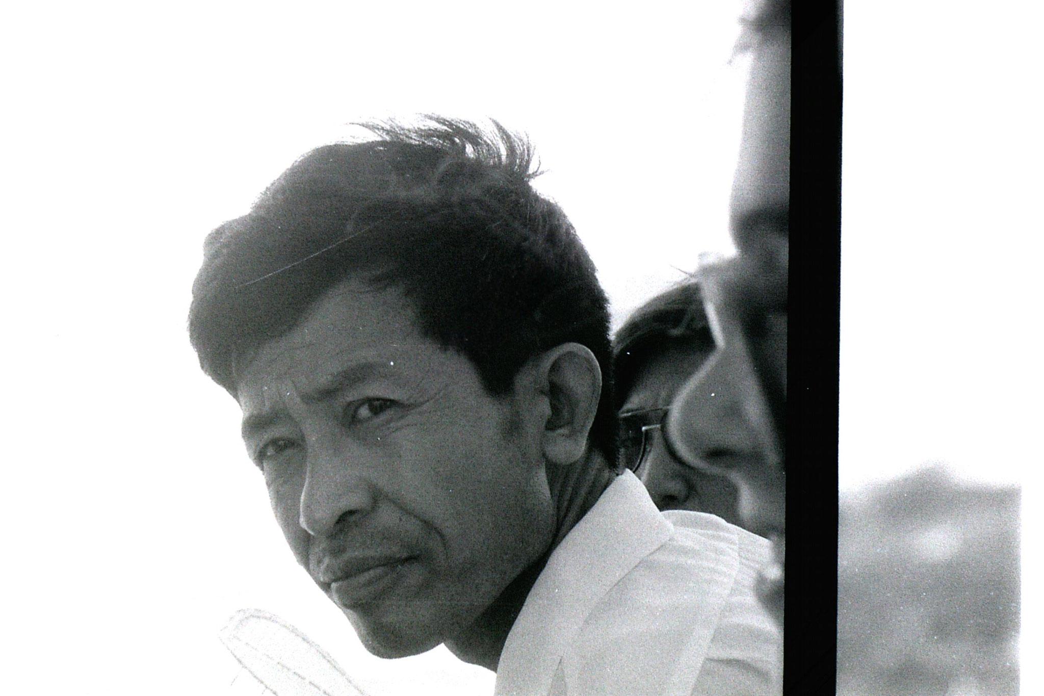16/7/1989: 12: Zhang Fuxing & stone lantern