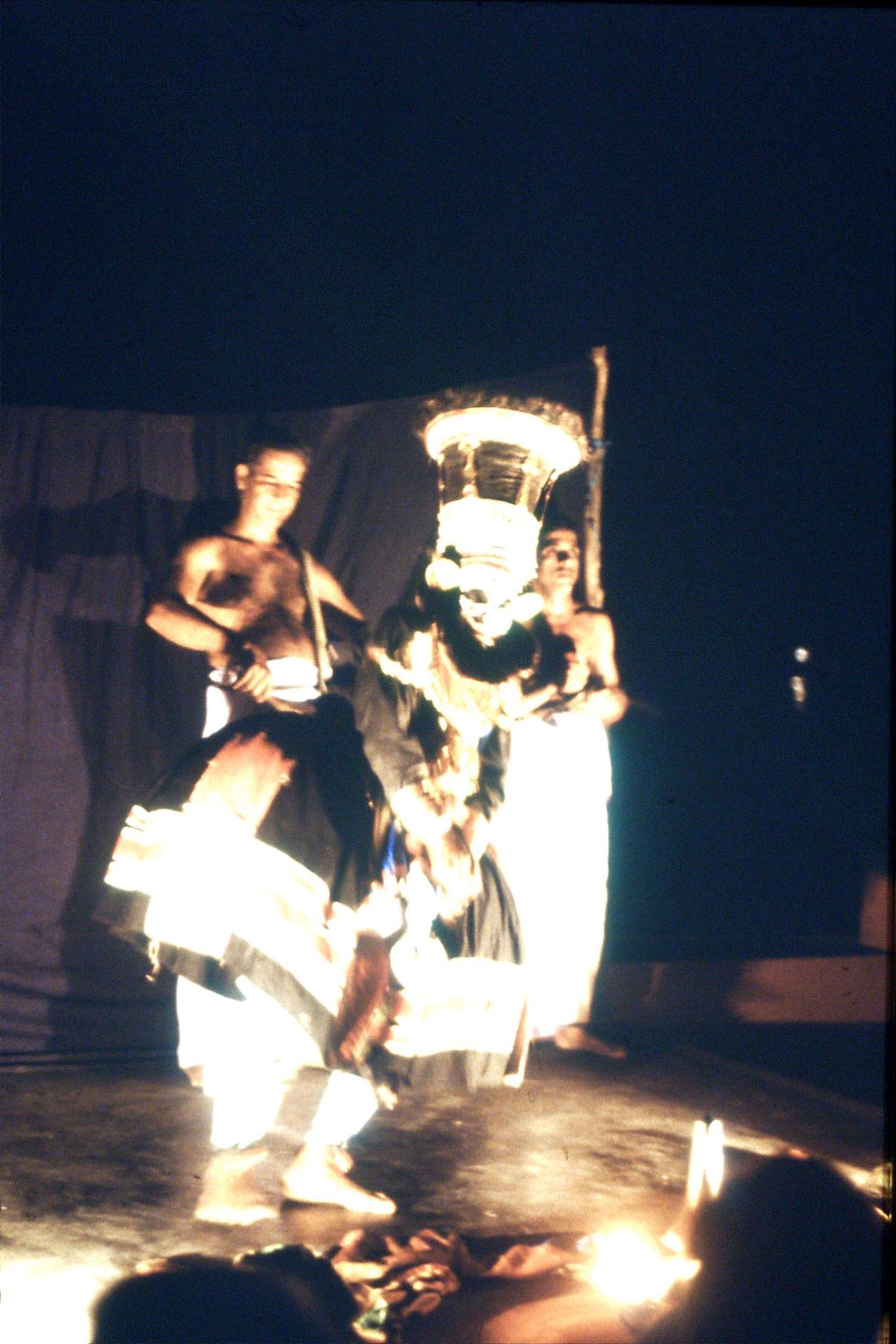 106/20: 24/2/1990 Erkunaculum - See India Foundation - Kathakali Dance