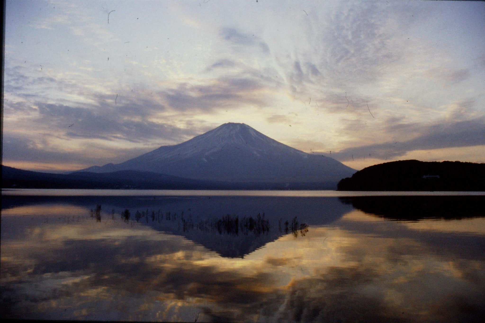 29/12/1988: 36: Mt Fuji region of Five Lakes