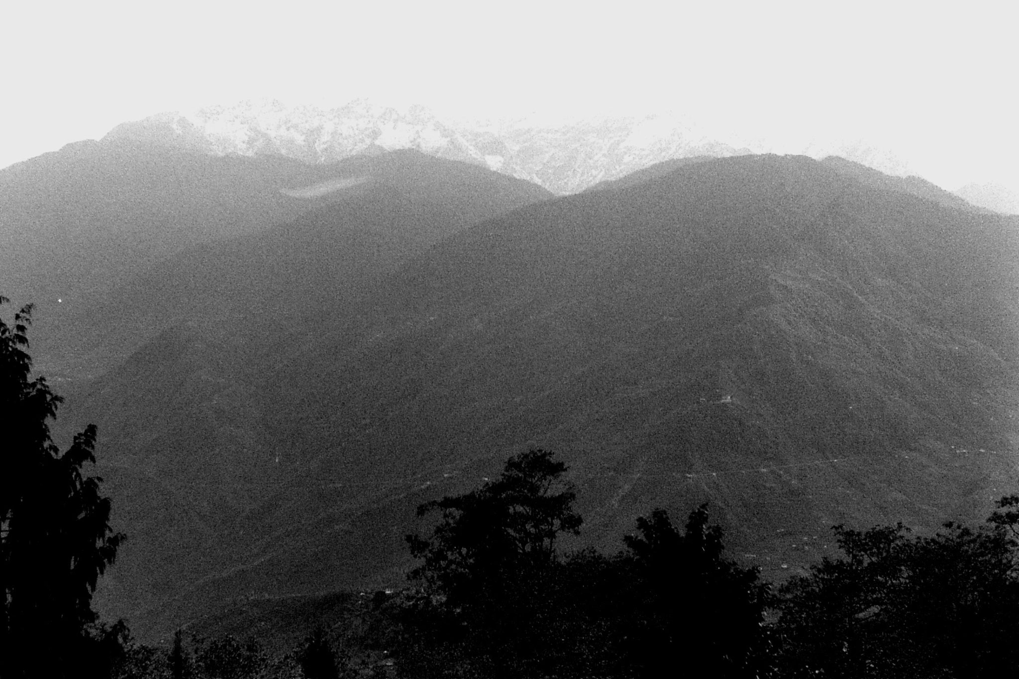 30/4/1990: 2: Pelling view towards Kanchenjunga