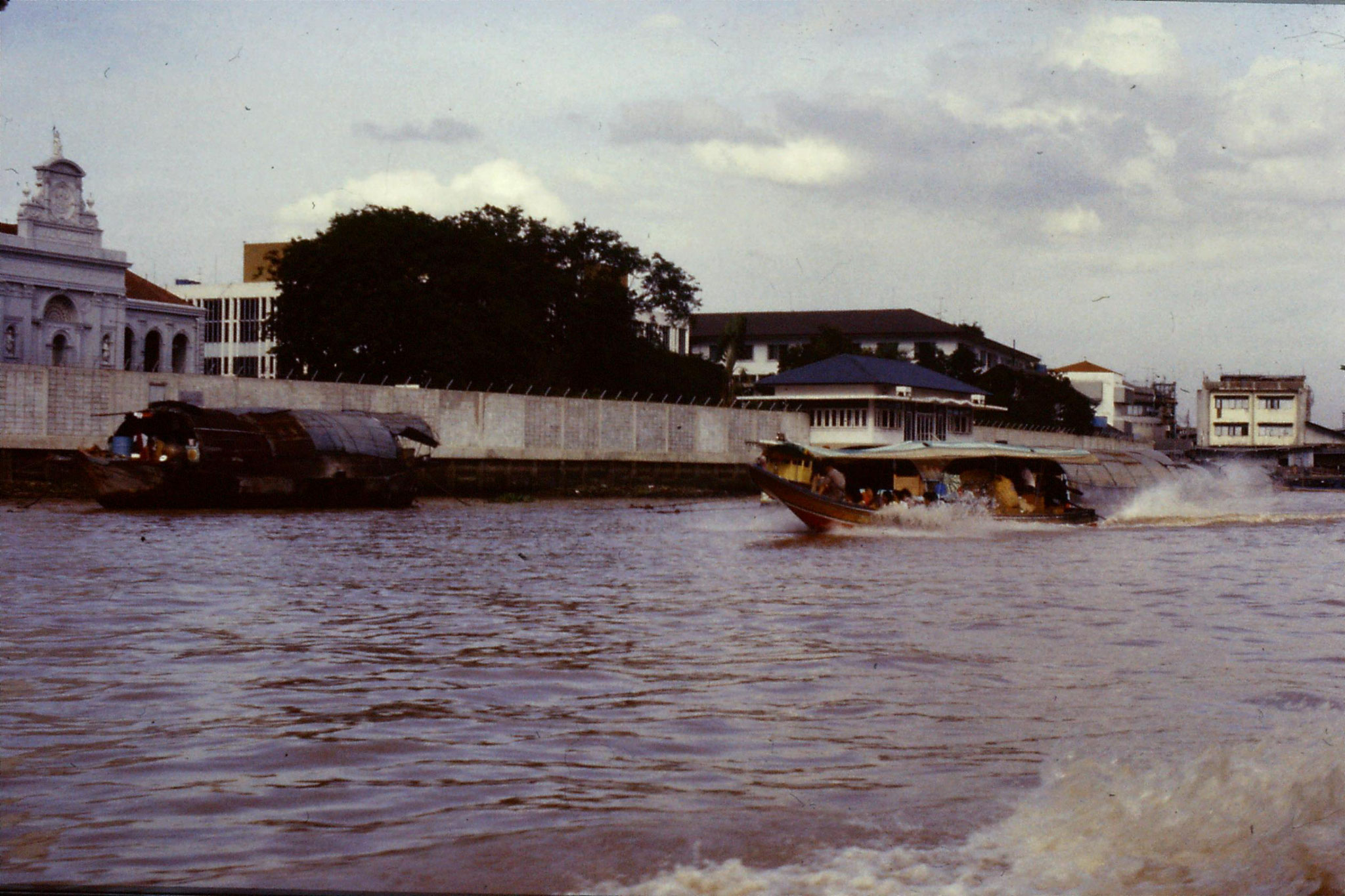 17/6/1990: 14: Bangkok long tail boats