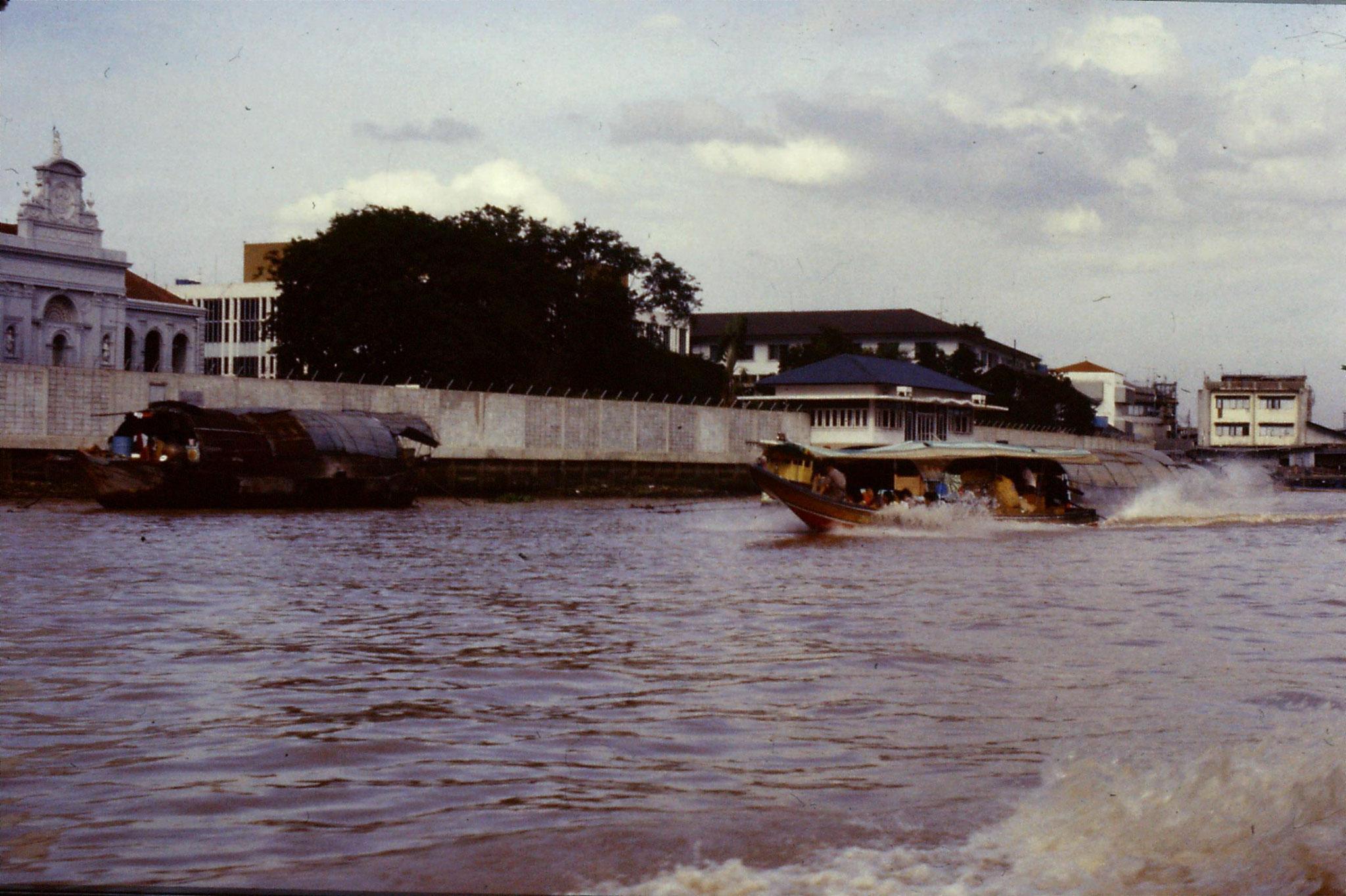 17/6/1990: 14: Bangkok long tail boats