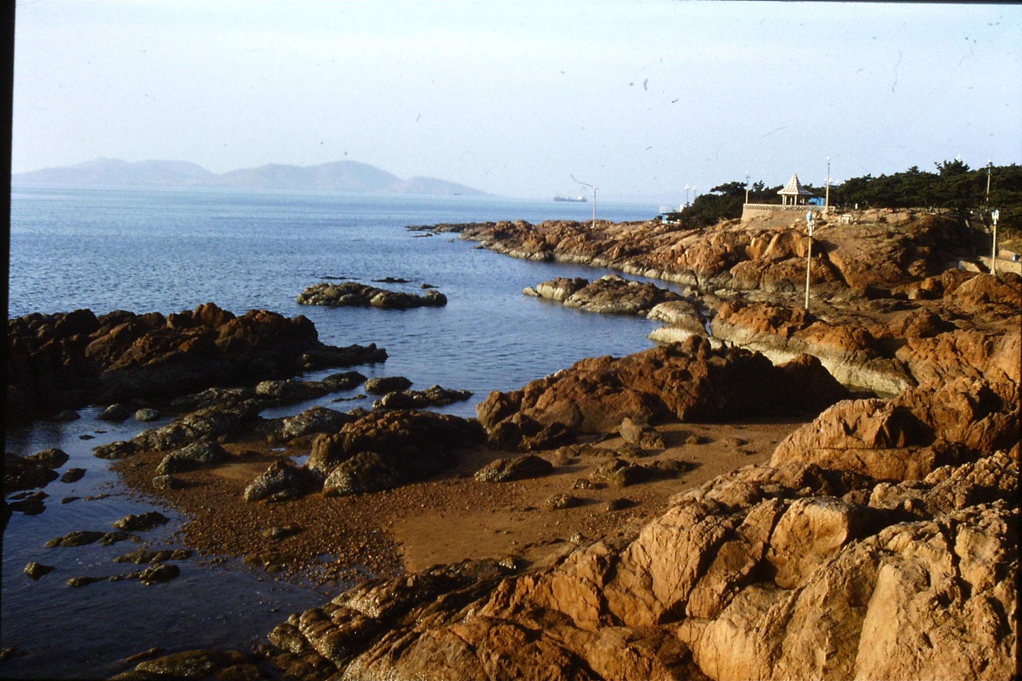 14/2/1989: 0: Qingdao beach
