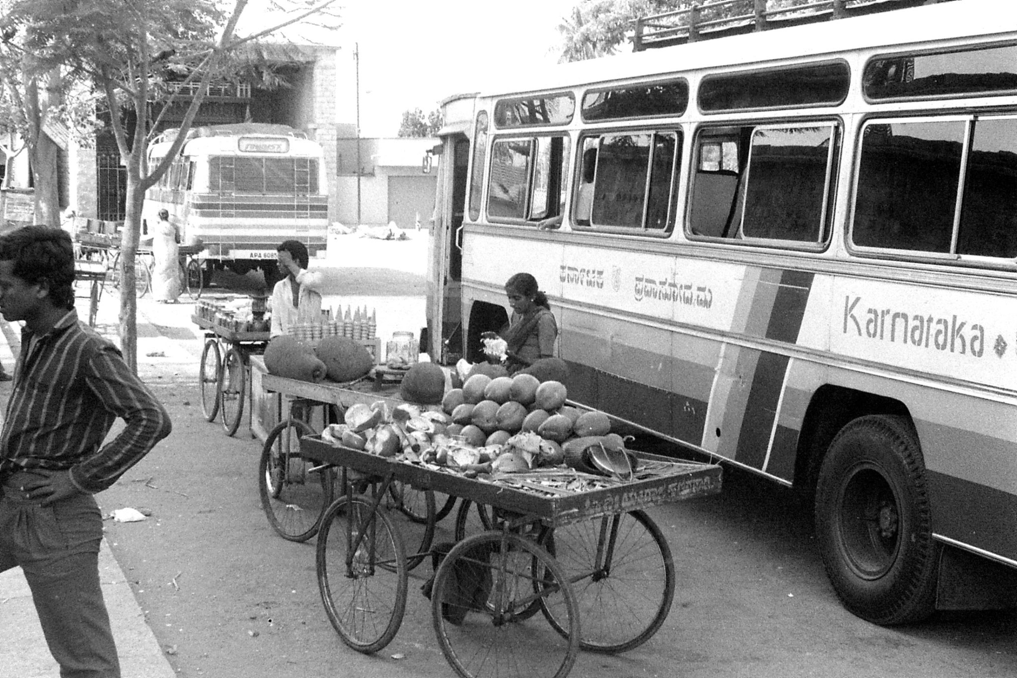 13/2/1990: 35: coconut and jack fruit seller