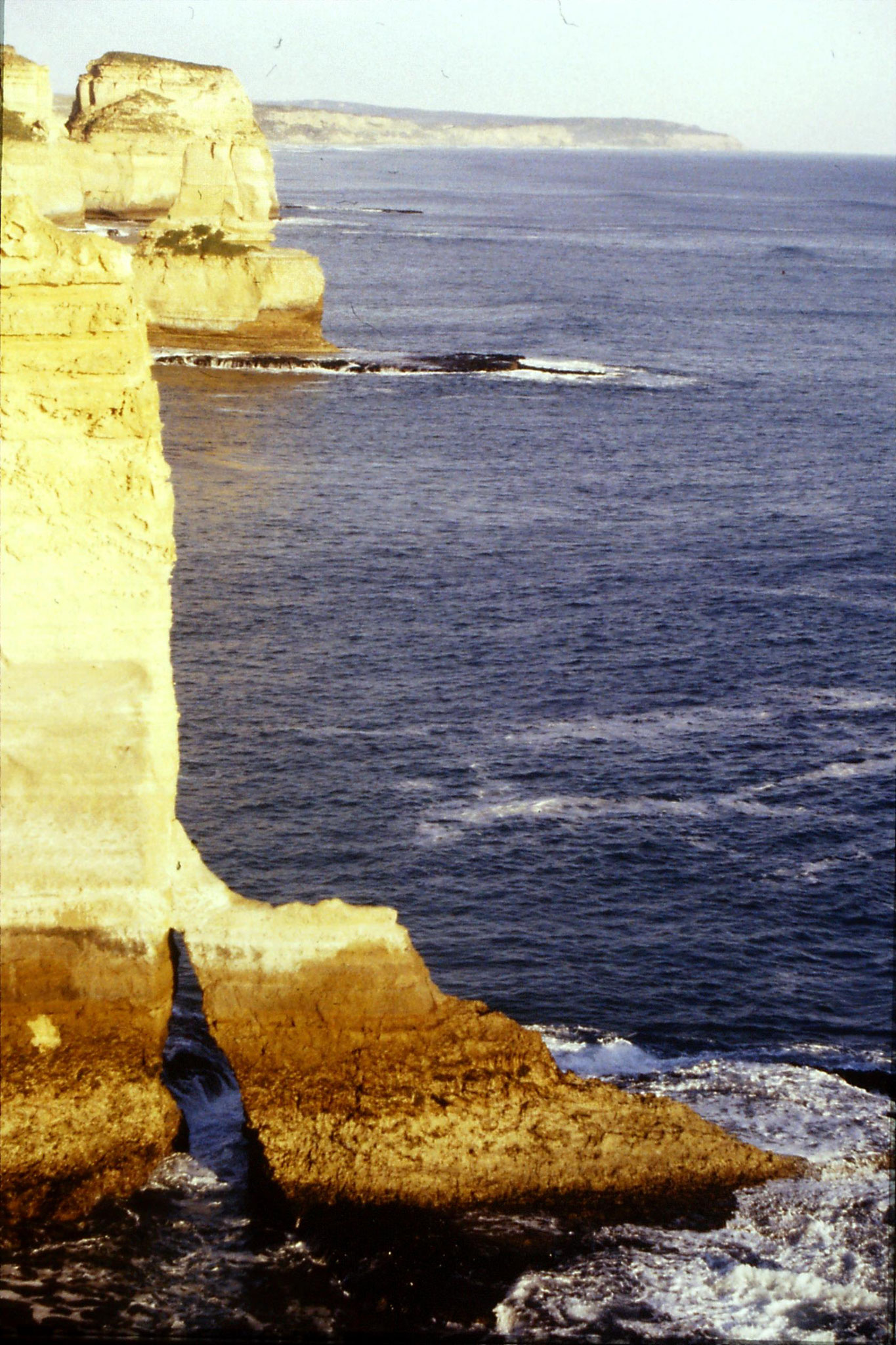19/9/1990: 28: SE from Loch Ard Gorge