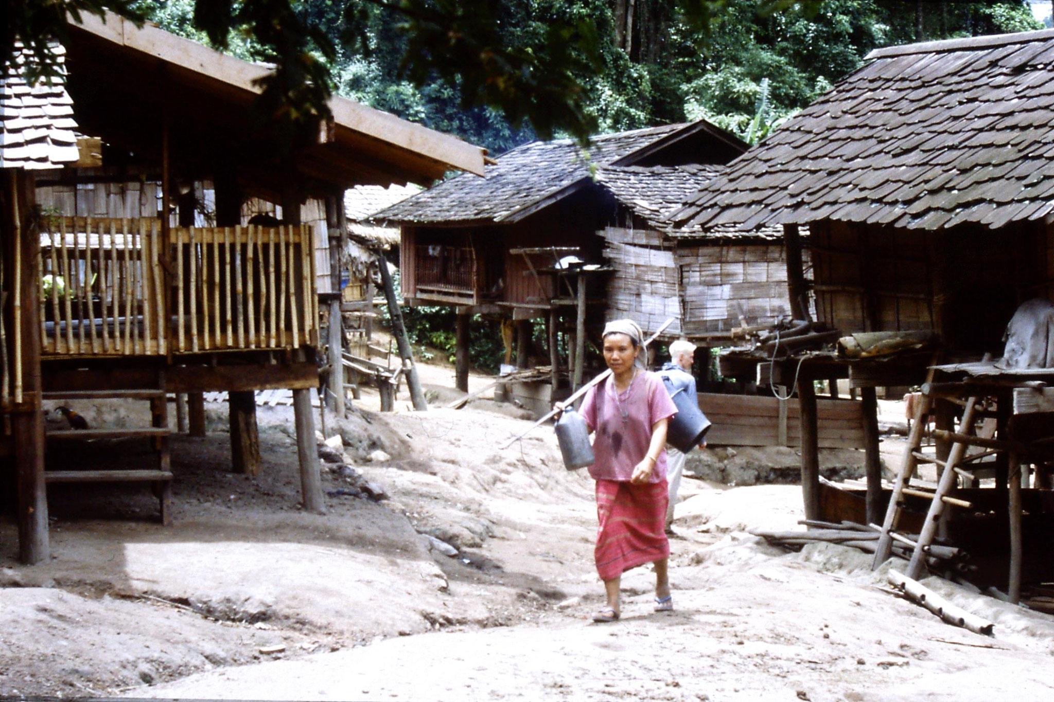 12/6/1990: 7: Trek - Mae Mi village (Karen)