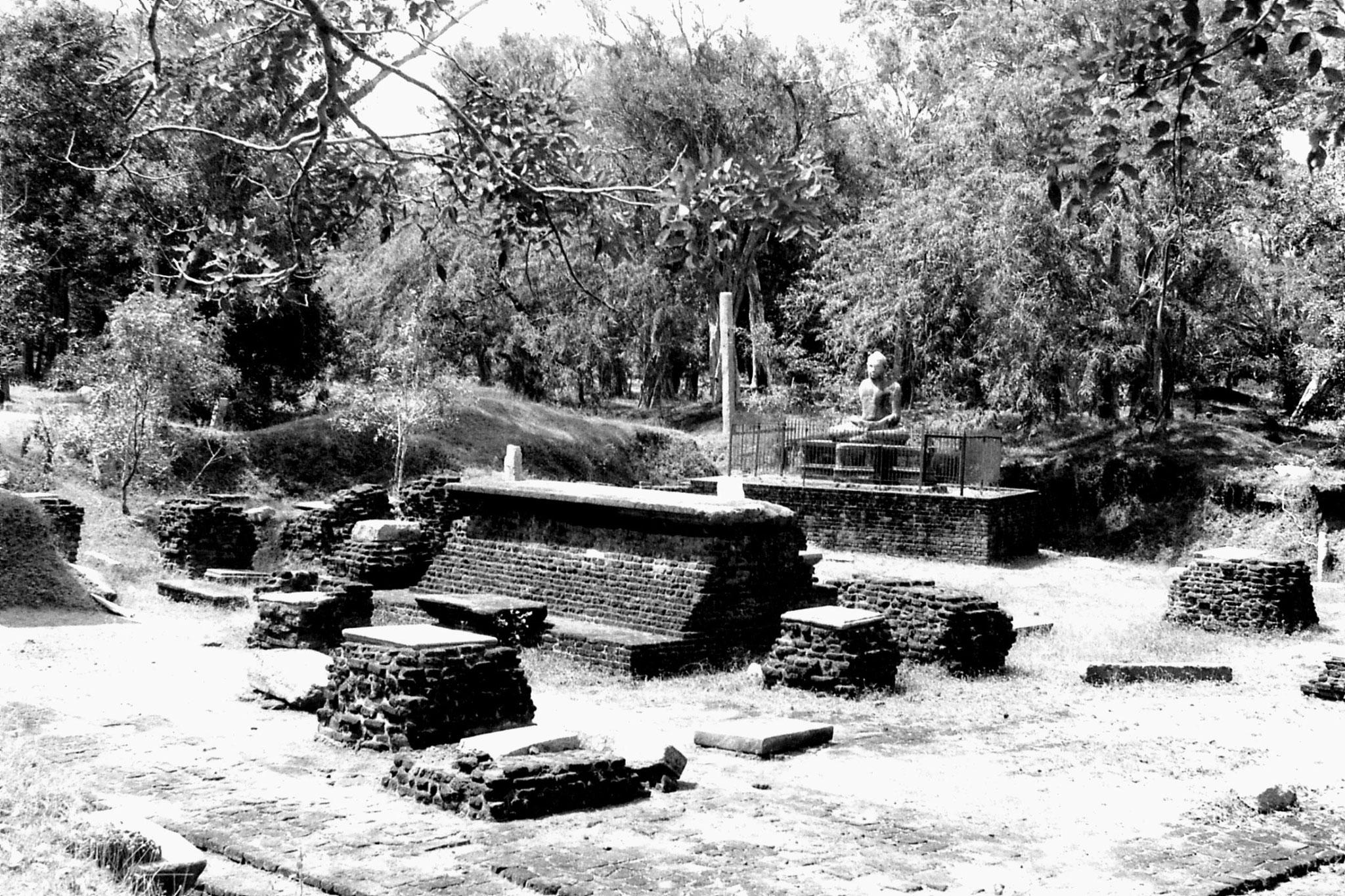 9/2/90: 28: Anuradhapura