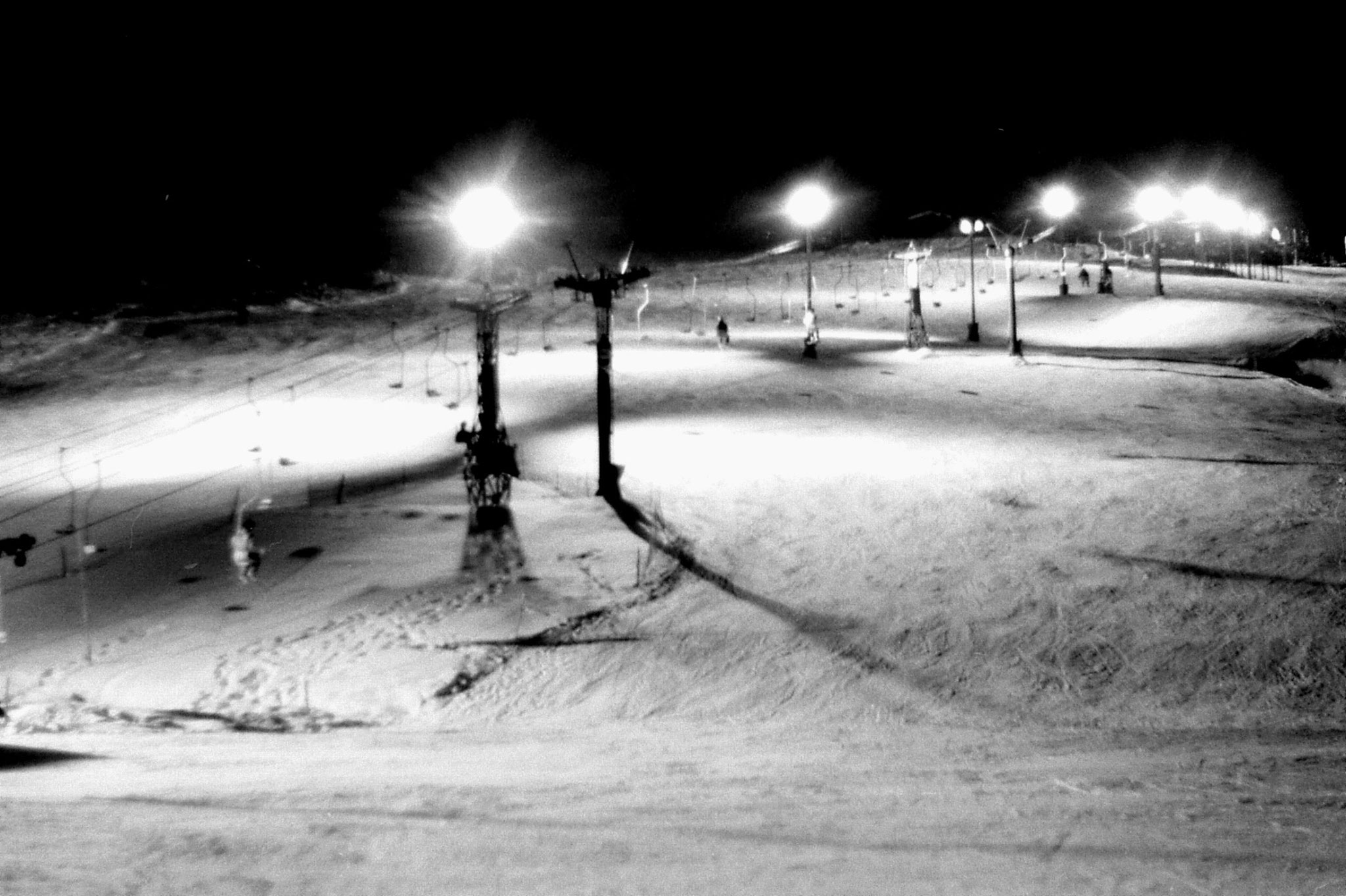 11/1/1989: 2: Floodlit ski slope outside hostel at Asahigawa
