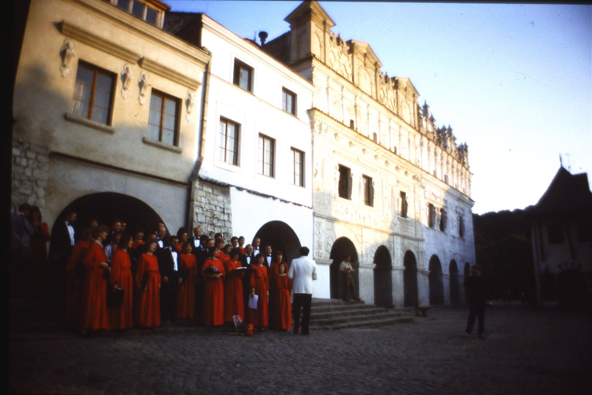 27/8/1988: 11: London Chorale at Kazimierz Dolny