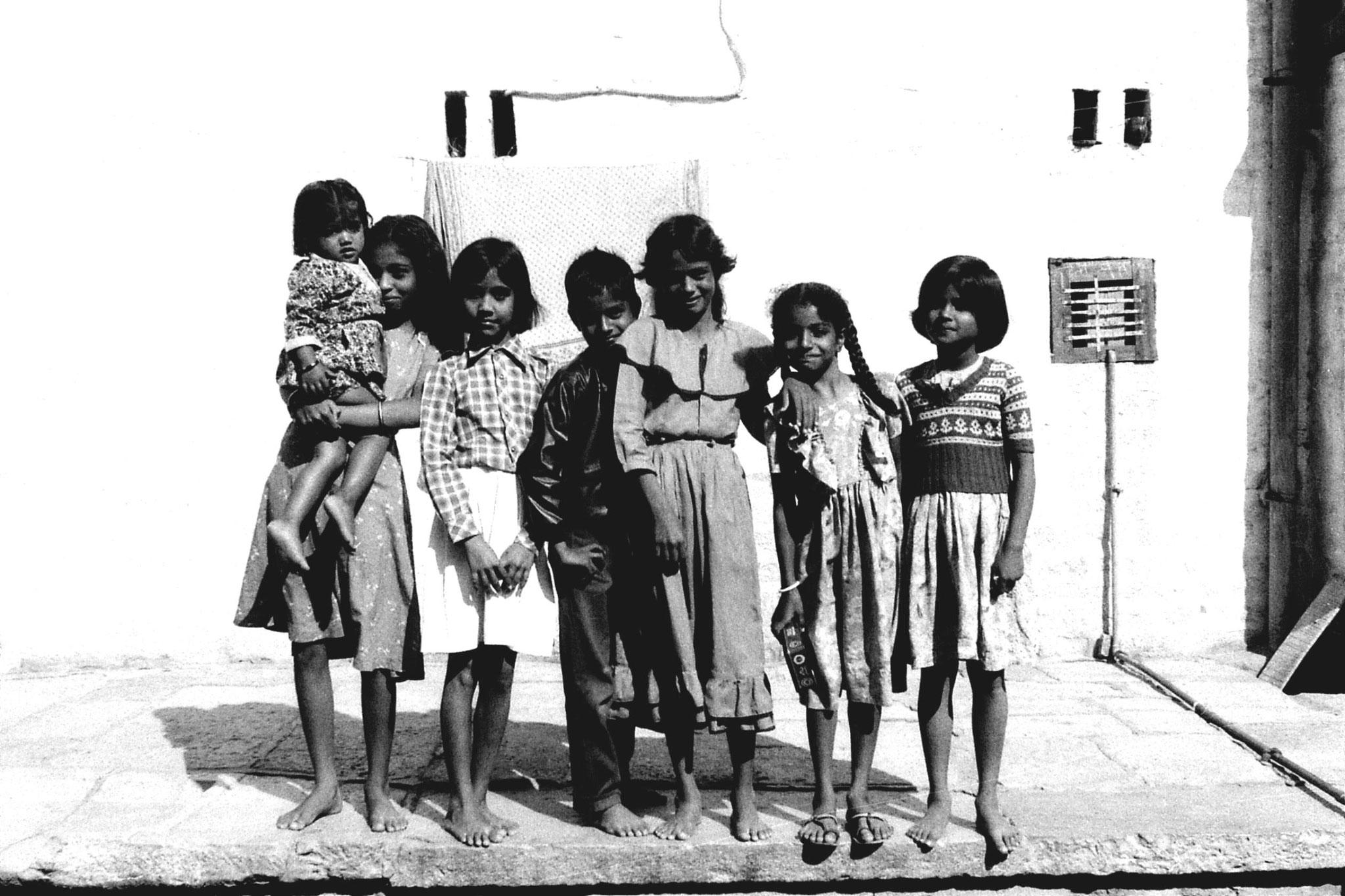 3/12/1989: 35: Jaisalmer children