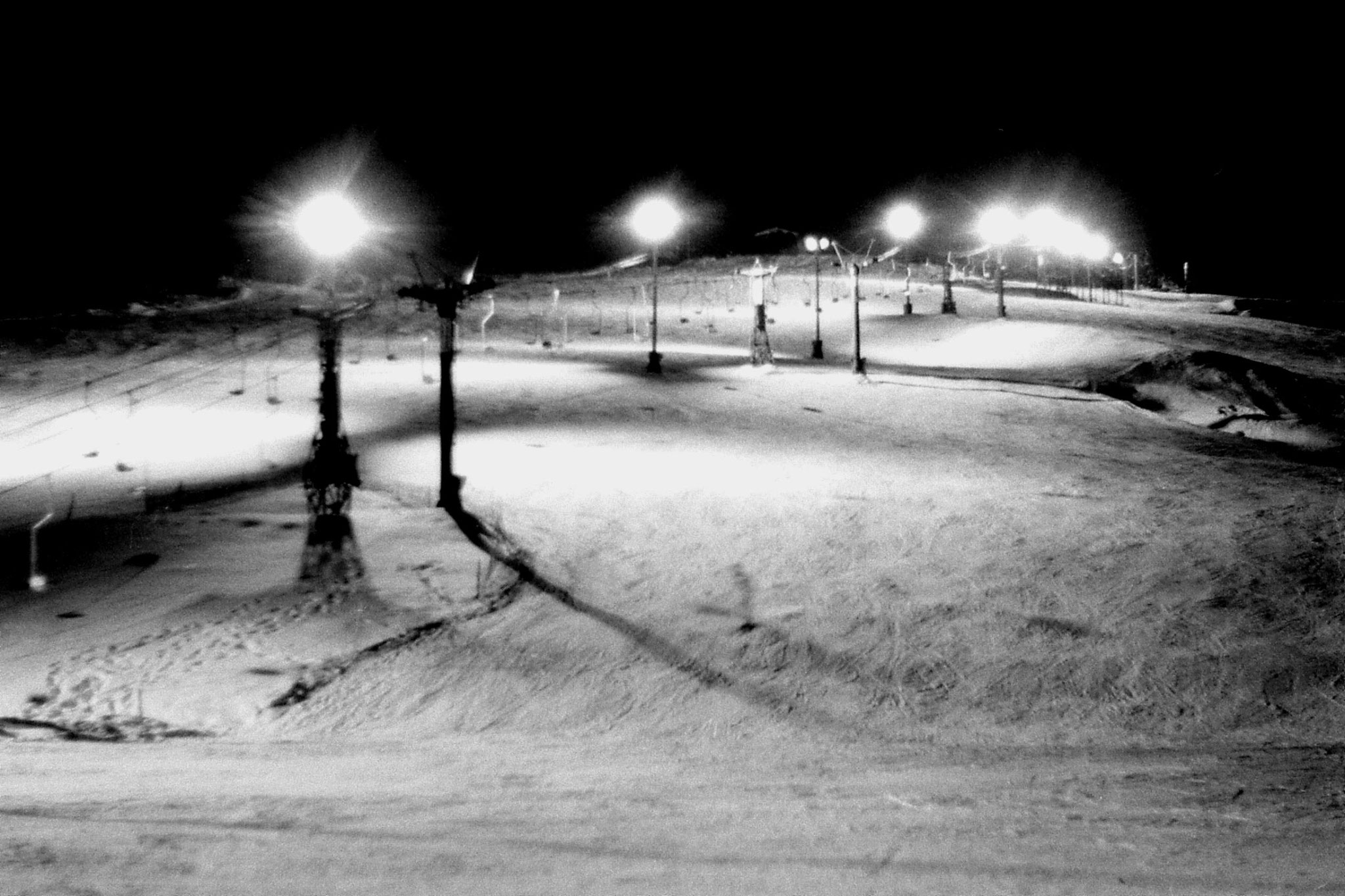 11/1/1989: 5: Floodlit ski slope outside hostel at Asahigawa