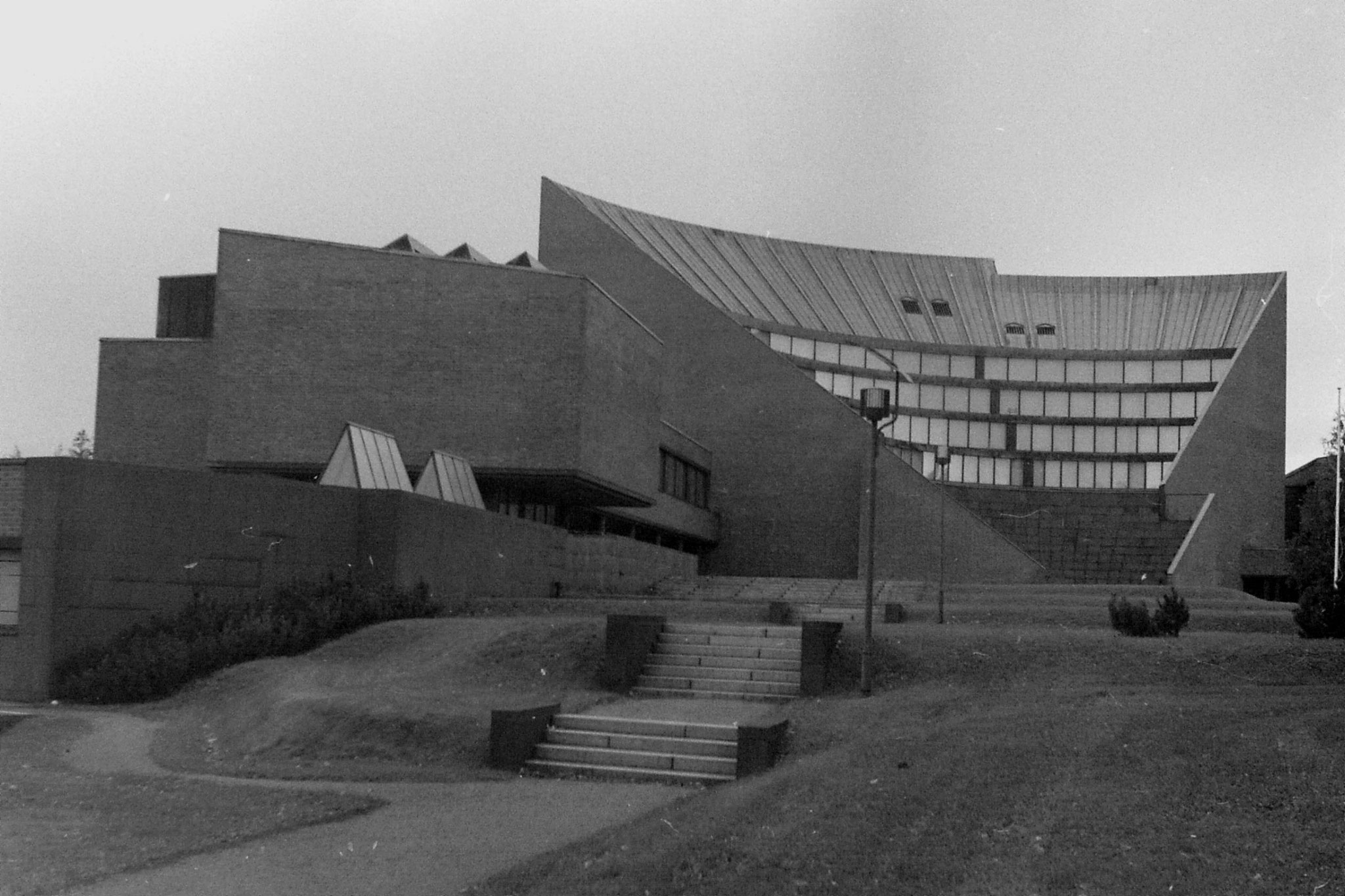 1/10/1988: 16: amphitheatre at Technical University