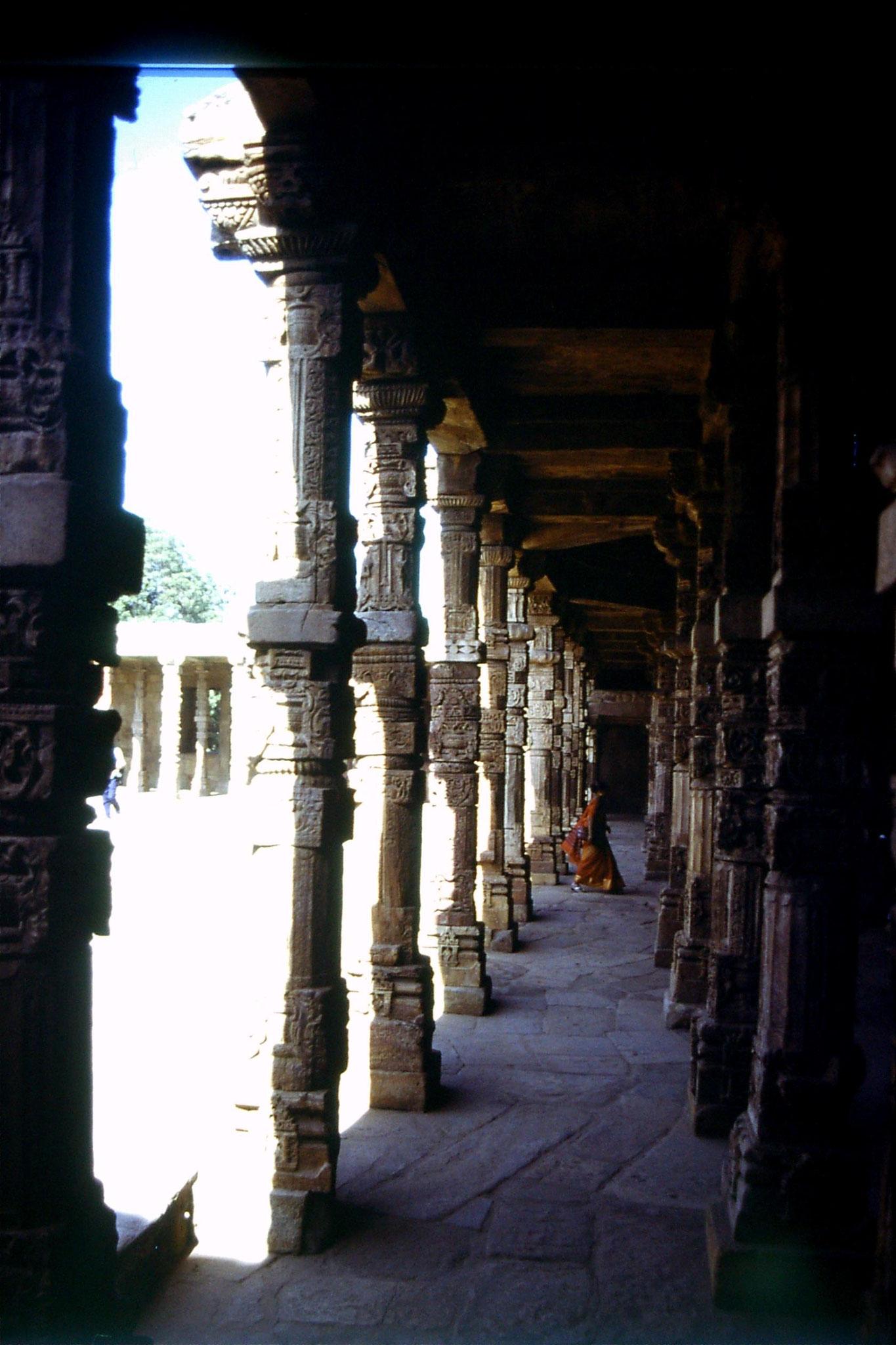 21/11/1989: 19: Delhi Qutab Minar Mosque