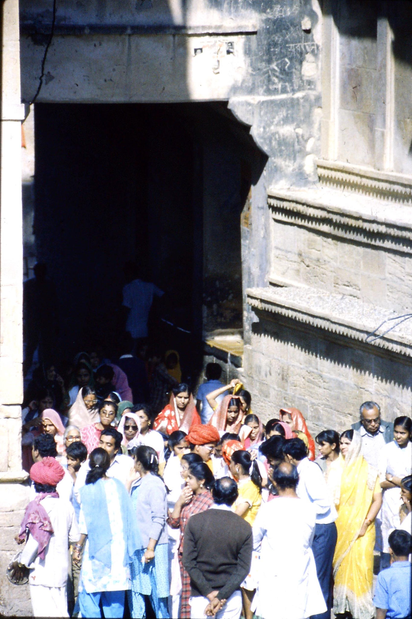 3/12/1989: 0: Jaisalmer wedding procession