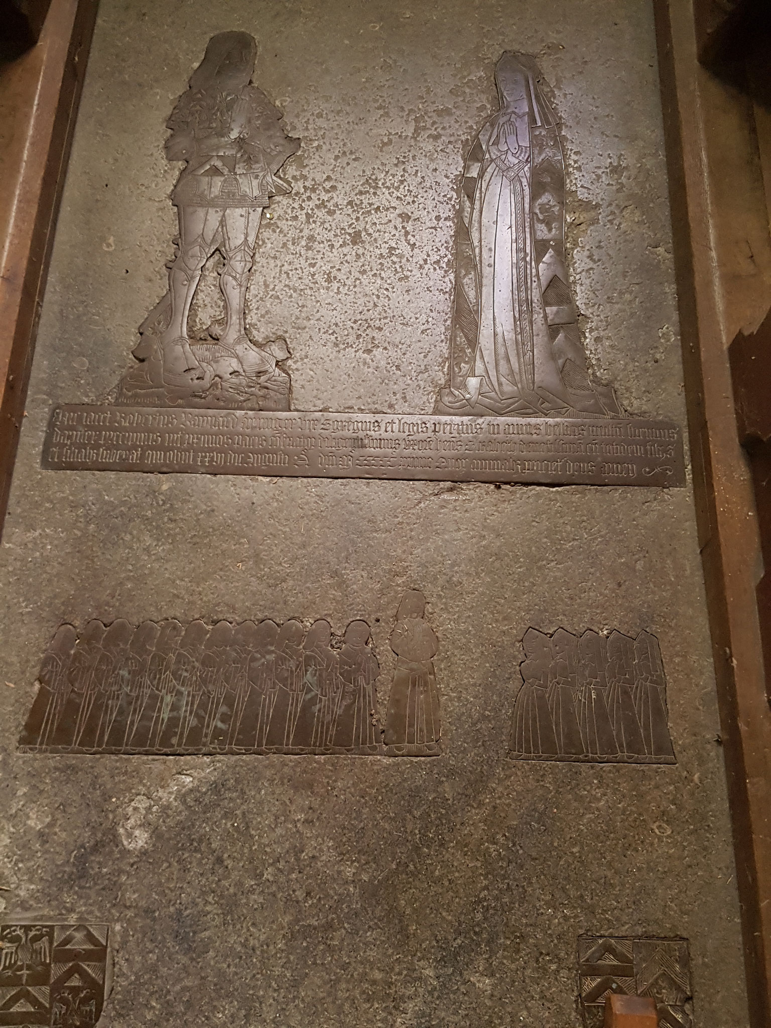 Brass to Robert Baynard d.1501 and wife Elizabeth showing 13 sons and five daughters