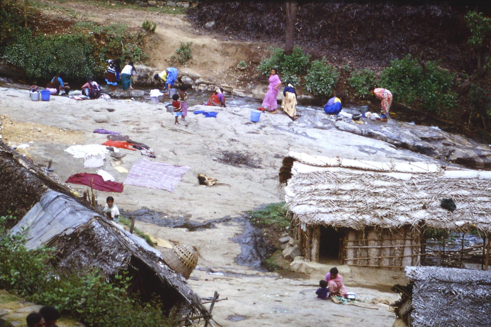 104/20: 18/2/1990 Kodaikanal - women washing at mountain stream