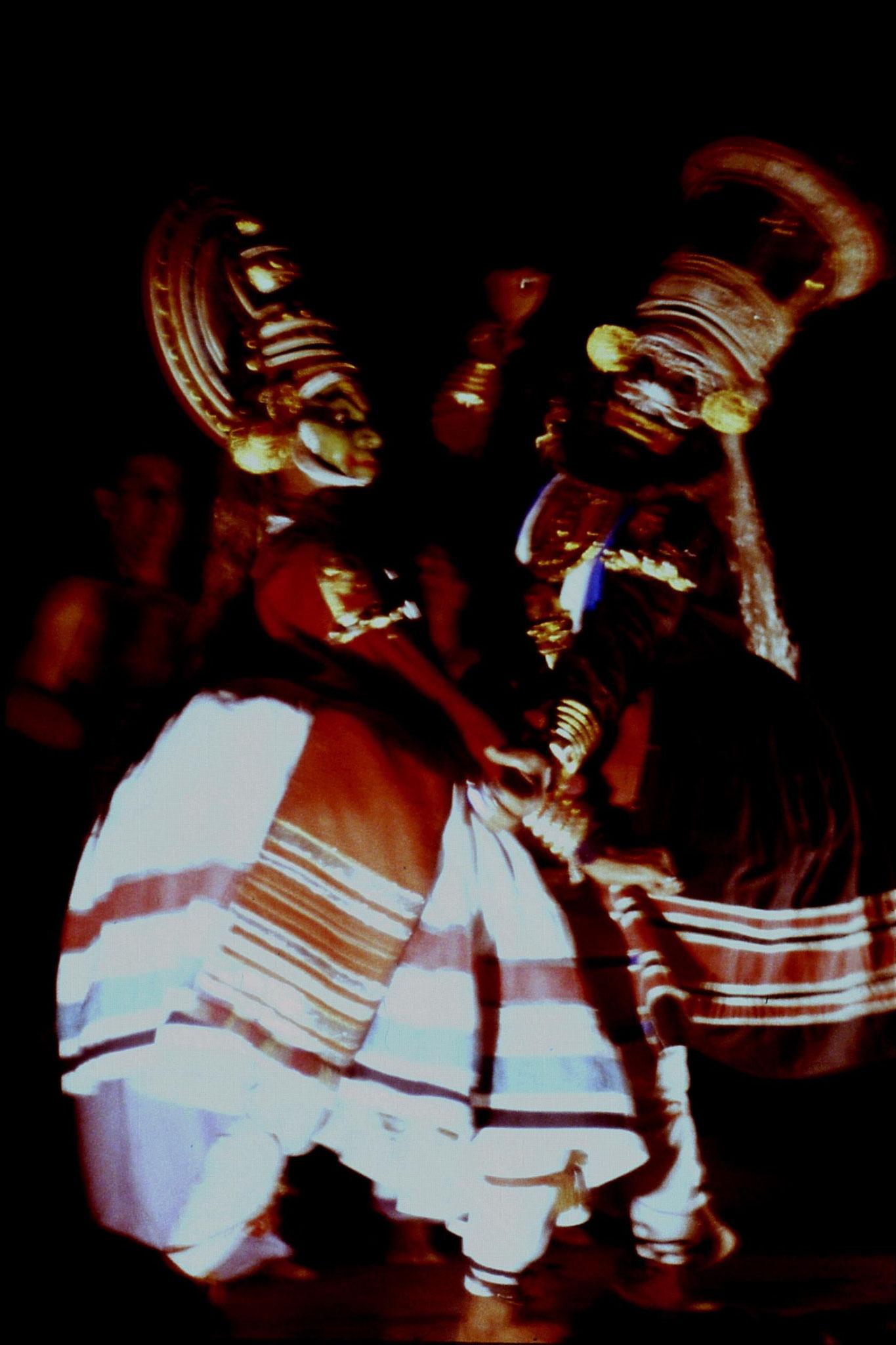 106/27: 24/2/1990 Erkunaculum - See India Foundation - Kathakali Dance