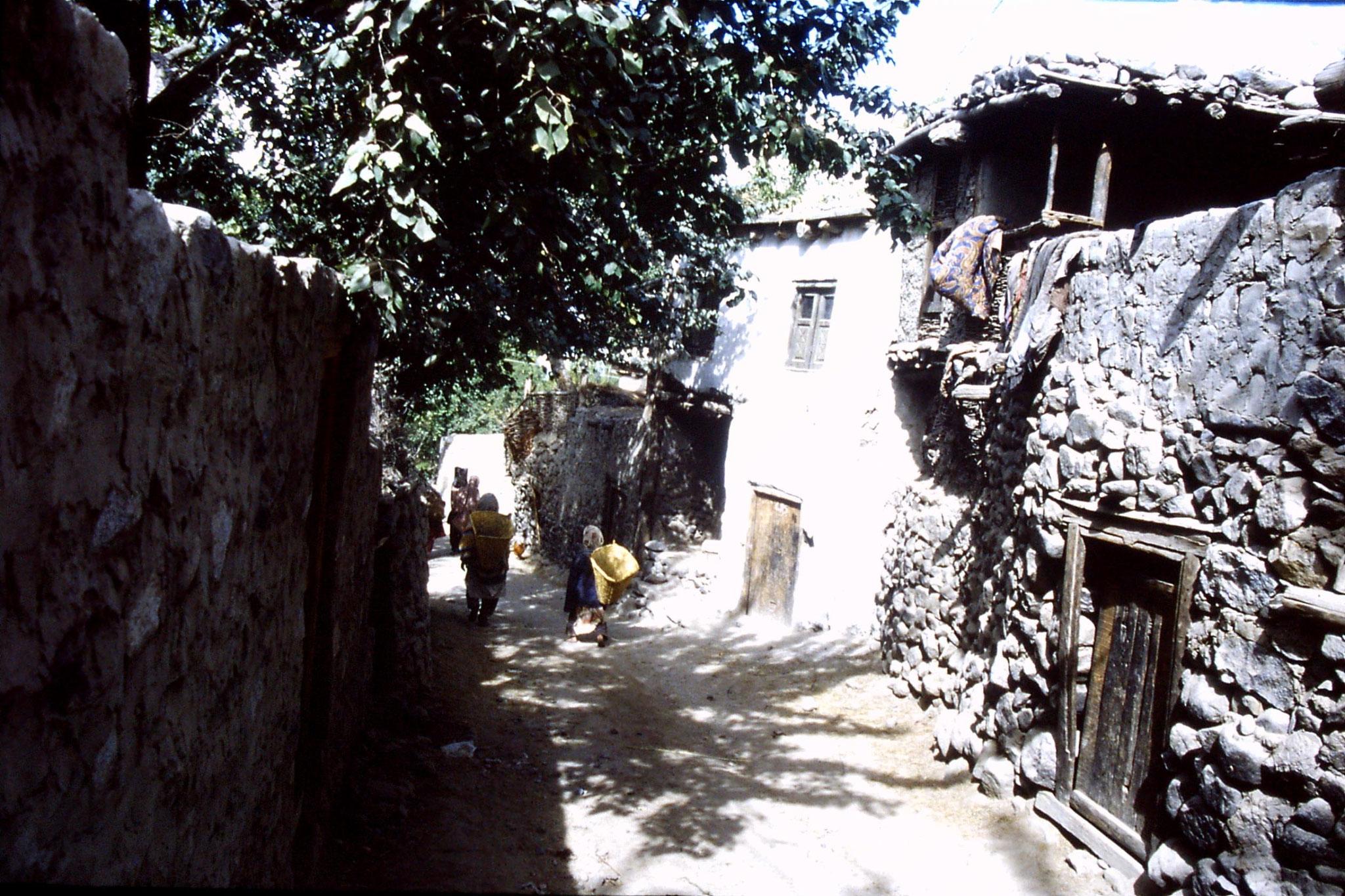 15/10/1989: 28: Khaplu