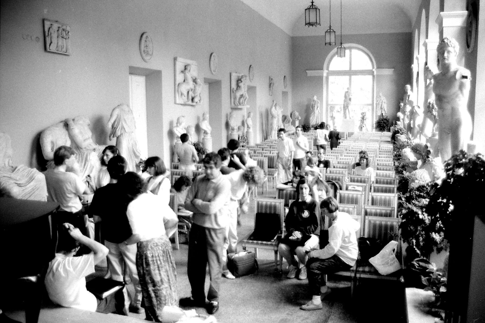 21/8/1988: 7: London Chorale rehearsal in Orangery at Lazienkowski Palace