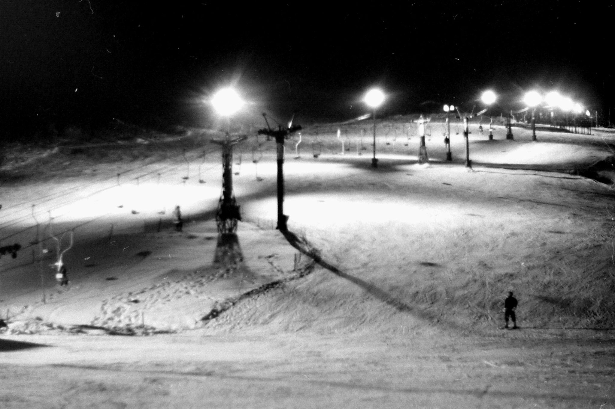 11/1/1989: 1: Floodlit ski slope outside hostel at Asahigawa