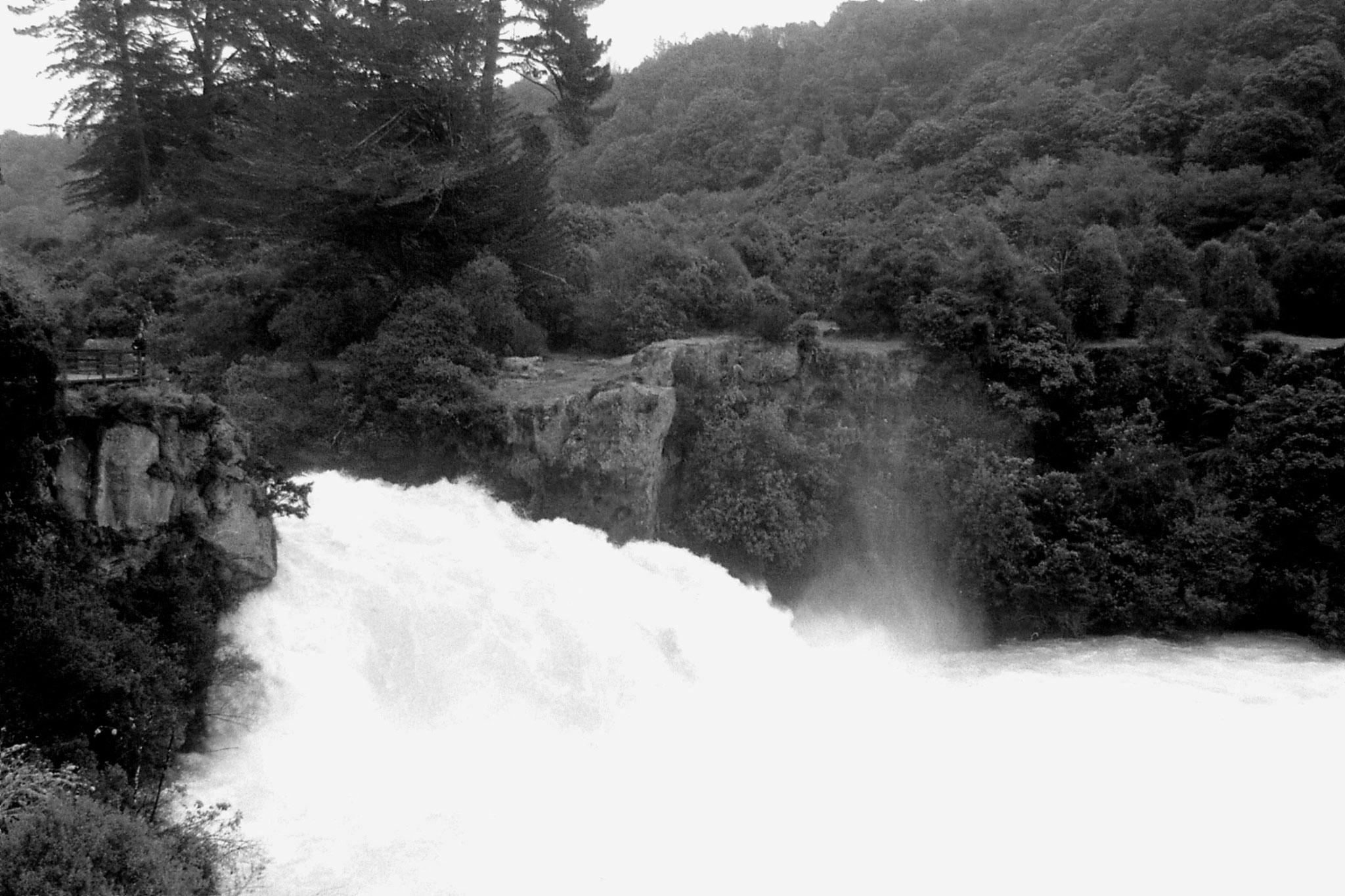 4/8/1990: 12: Huka Falls nr Taupo