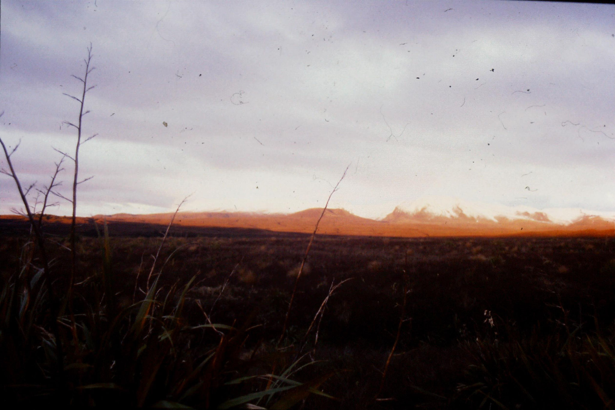 29/8/1990: 7: sunset on Mt Ngauruhoe