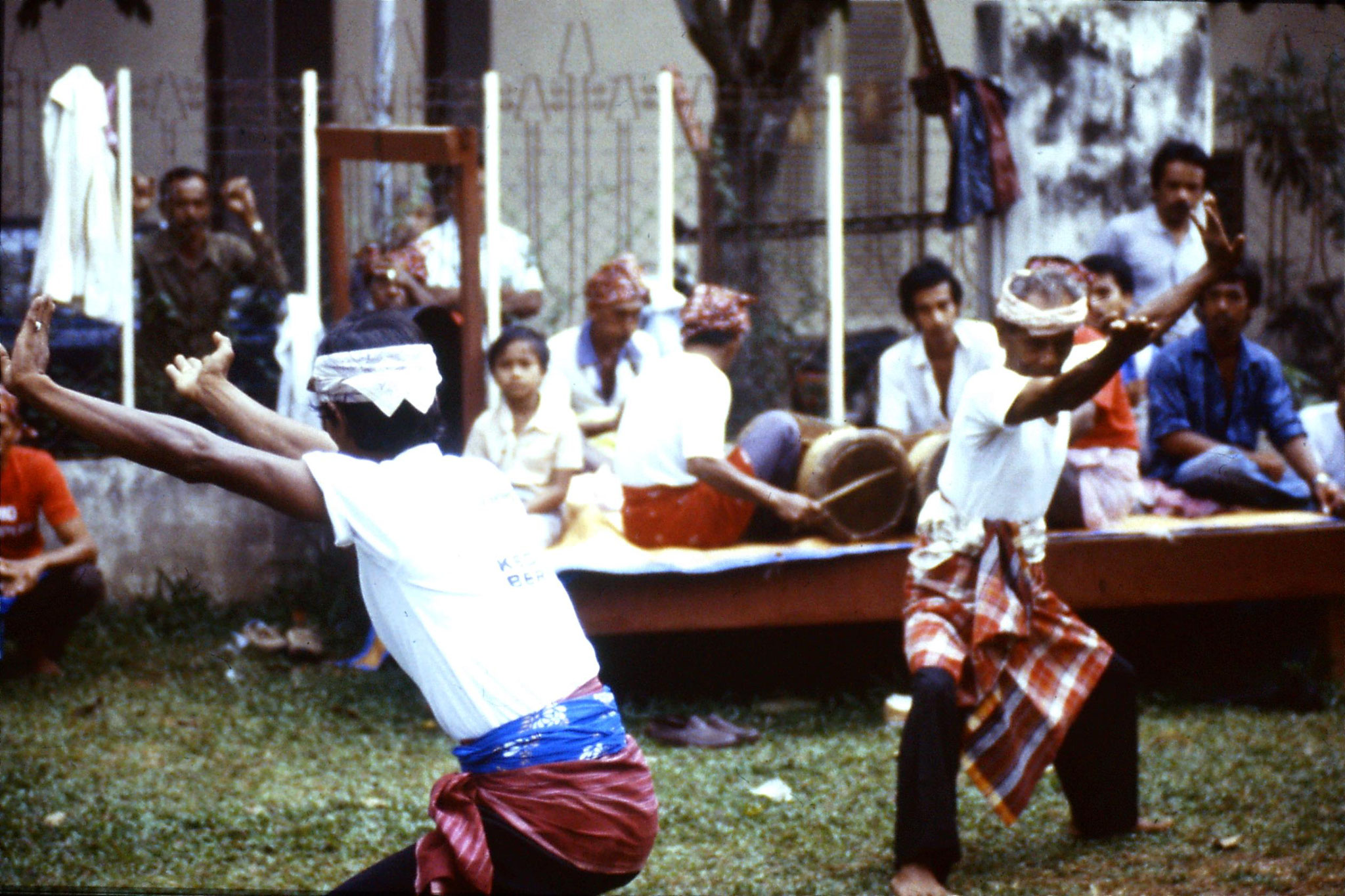 20/6/1990: 27: Kota Bharu cultural show - 'silat' fighting dance