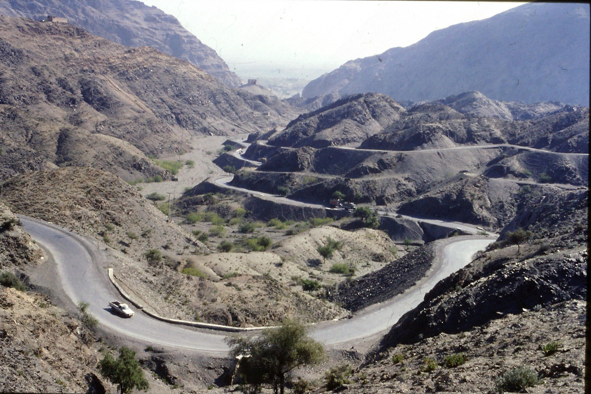 6/11/1989: 19: Khyber Pass view down to Peshawar