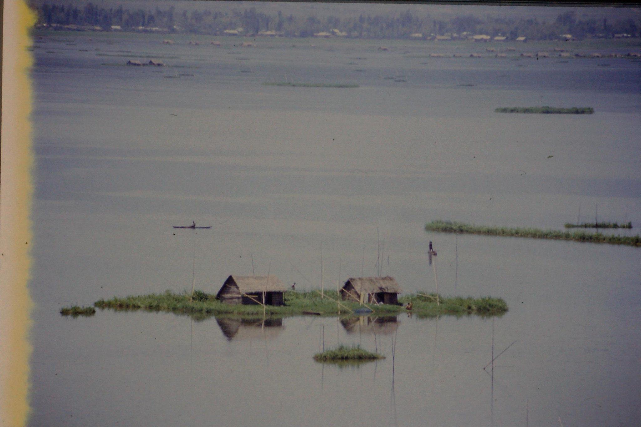113/17: 17/4 Lok Tak - islands
