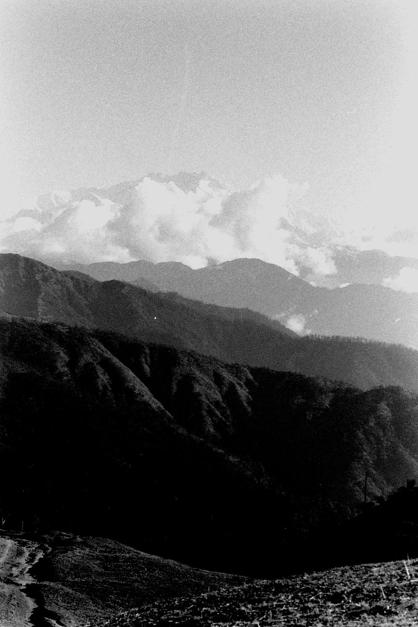 8/5/1990: 26: from Sabarkum, Kanchenjunga