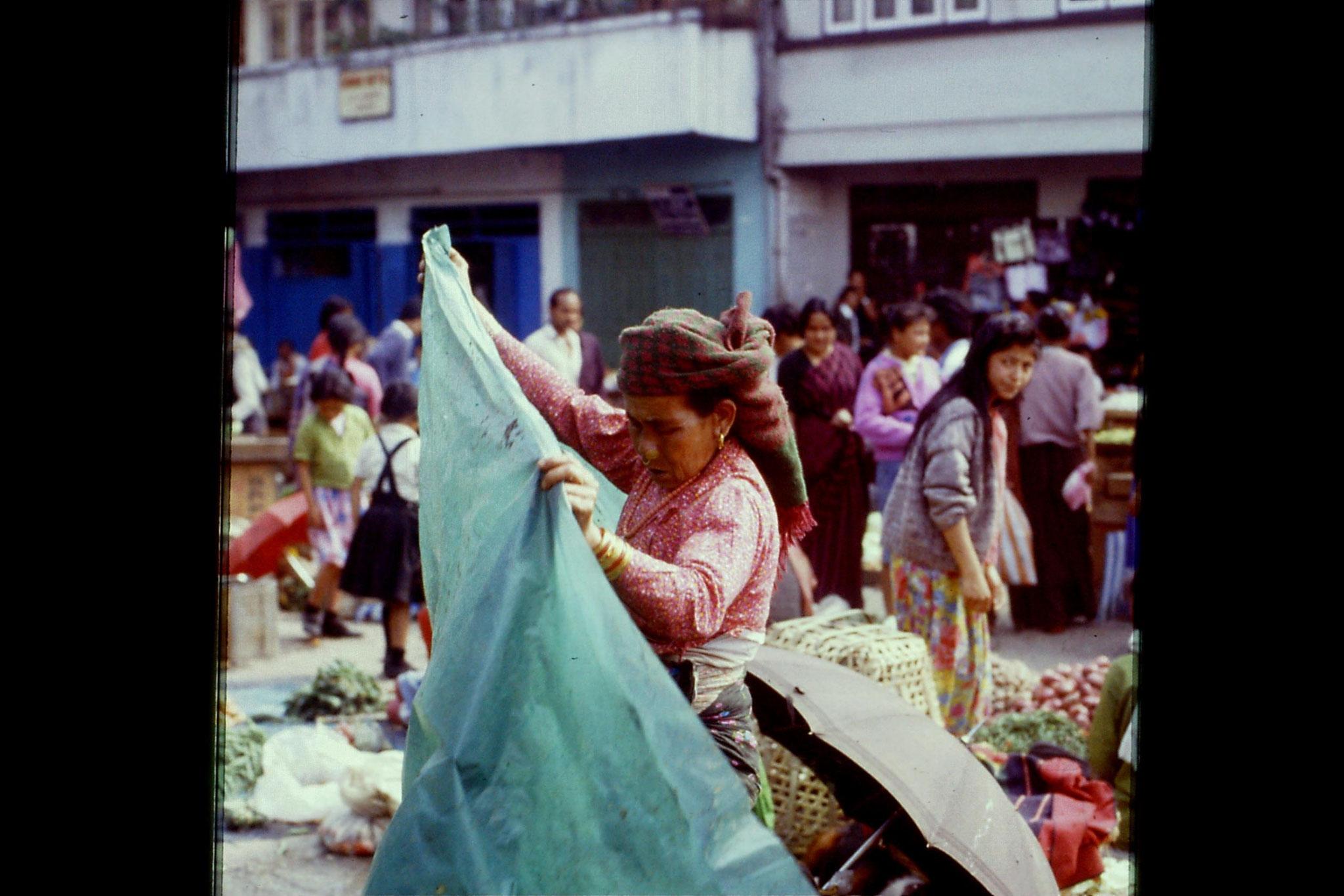 115/6: 22/4/1990 Gangtok - Lal Market