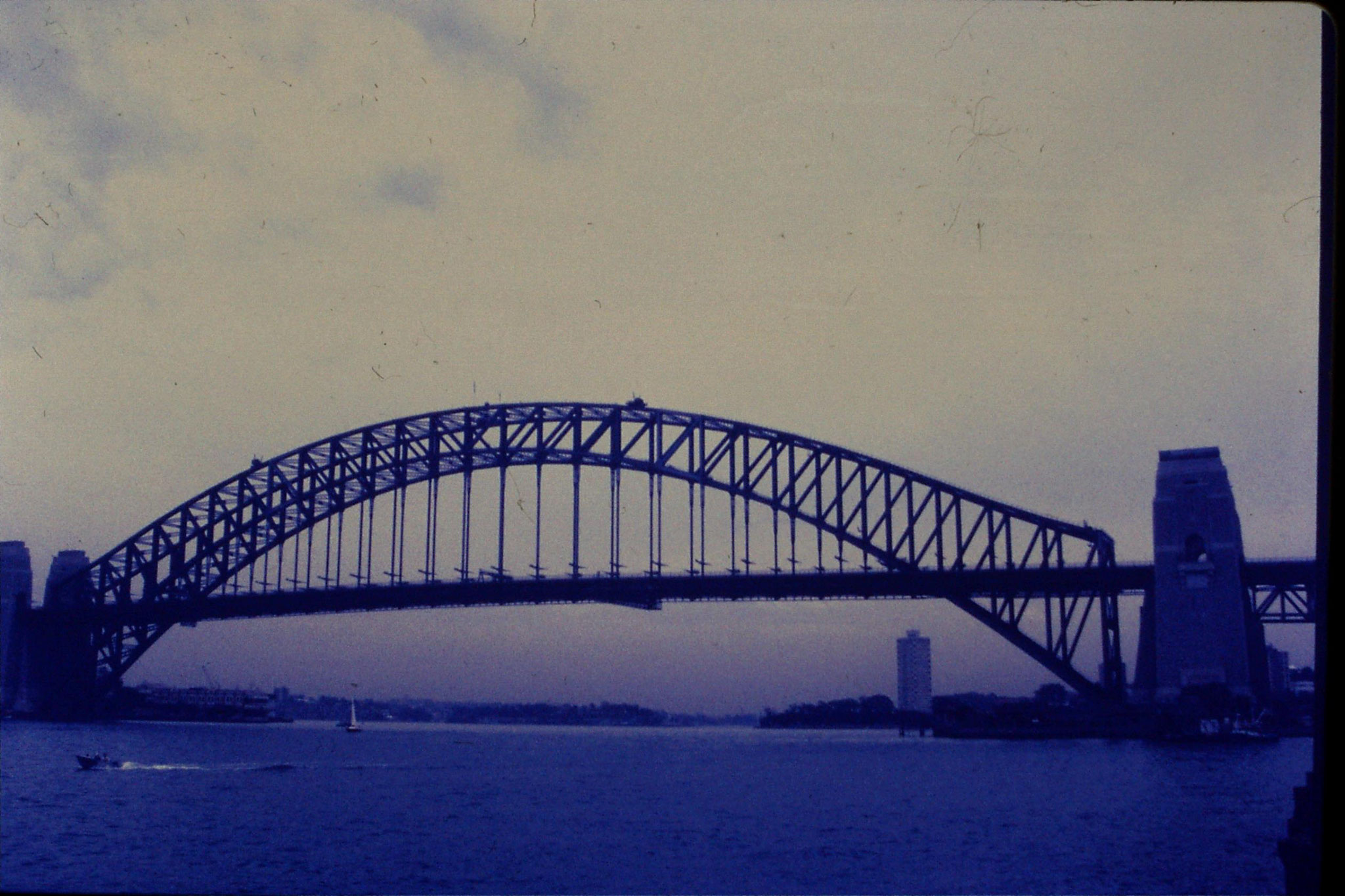 15/11/1990: 9: Sydney, Beulah St Wharf - Harbour Bridge