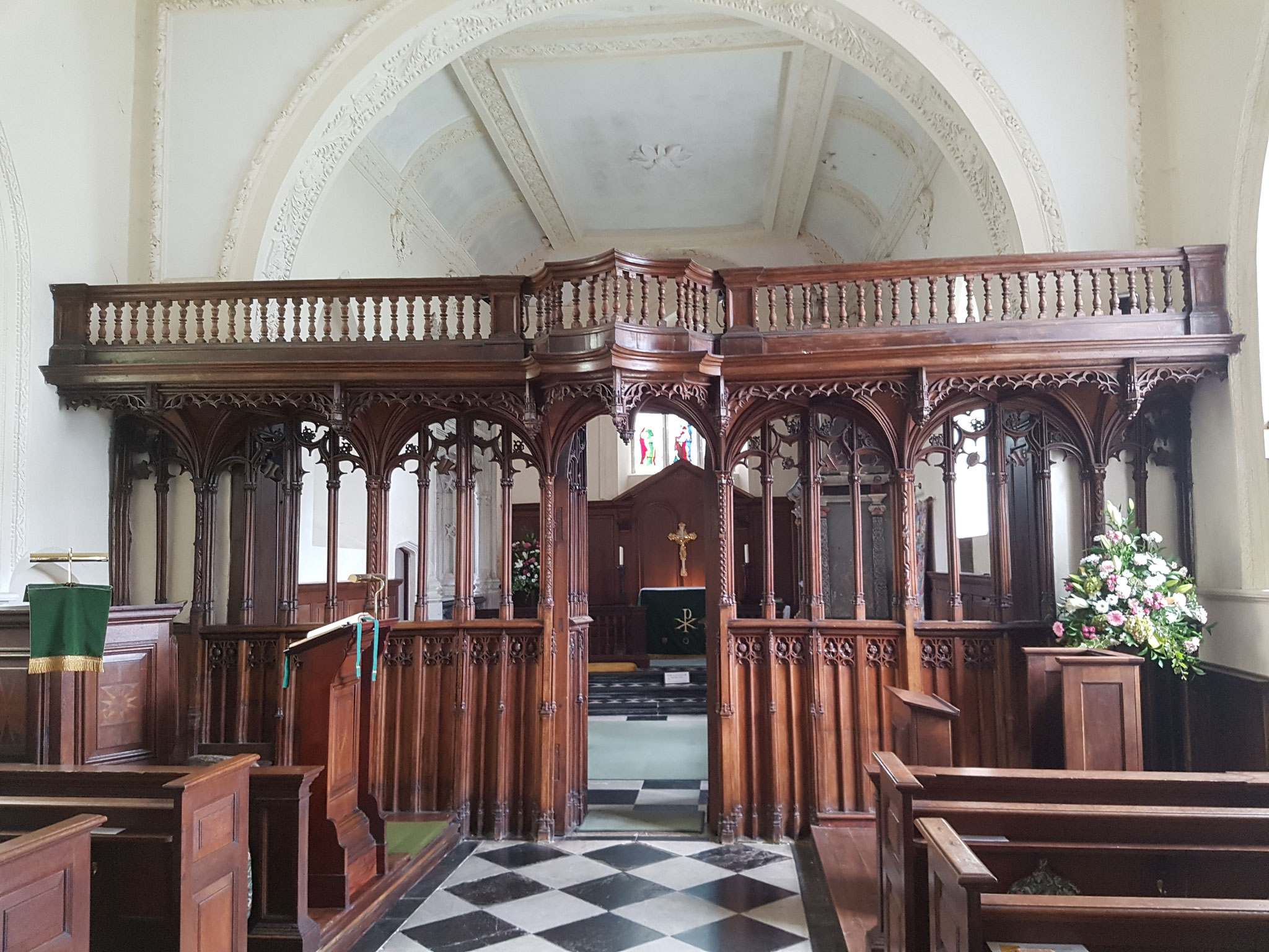 The 14th c church was transformed by Sir John Peche in the early Tudor period. The rood screen was created at that time.