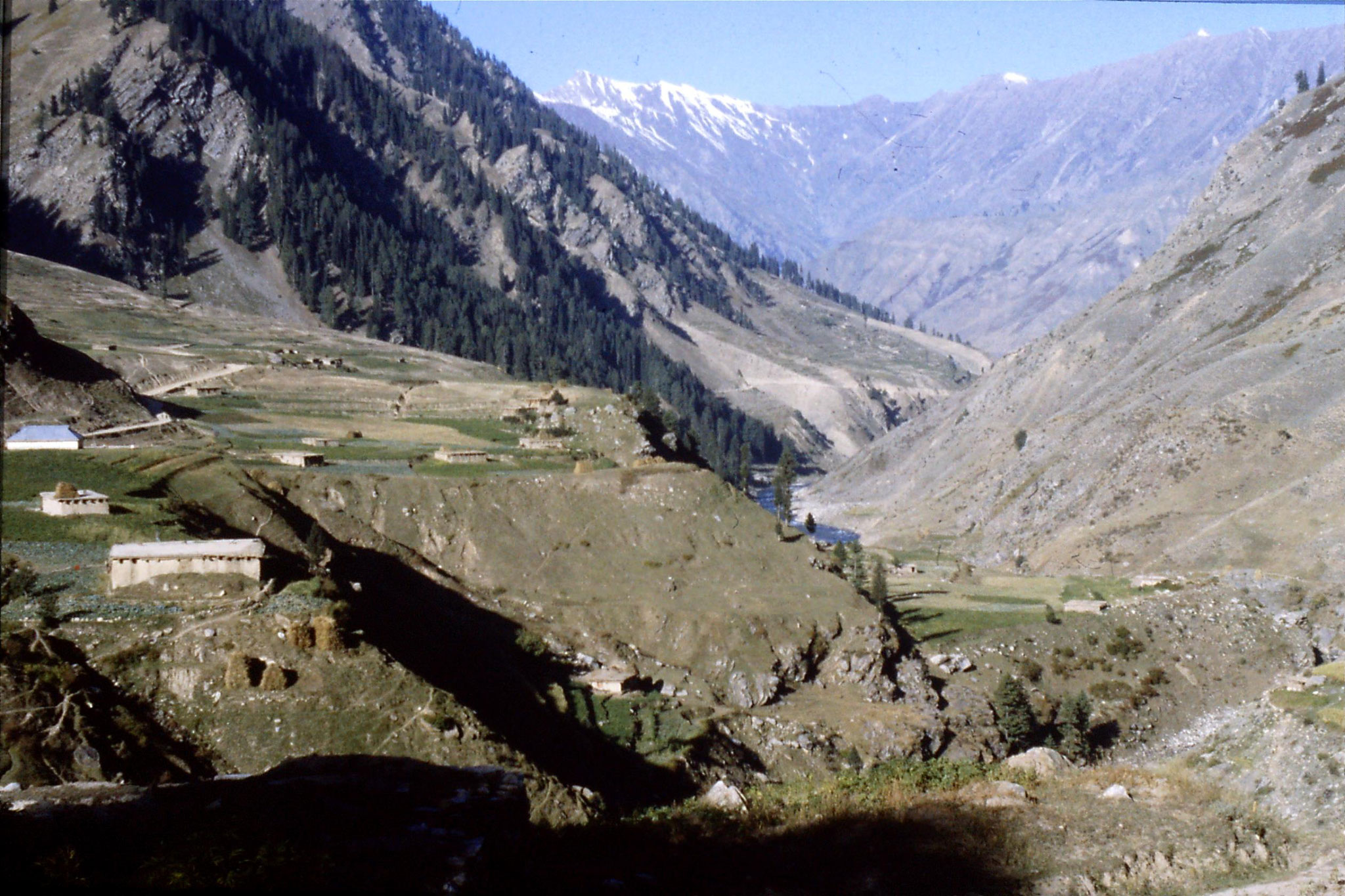 6/10/1989: 17: Kaghan Valley route to Batacundi