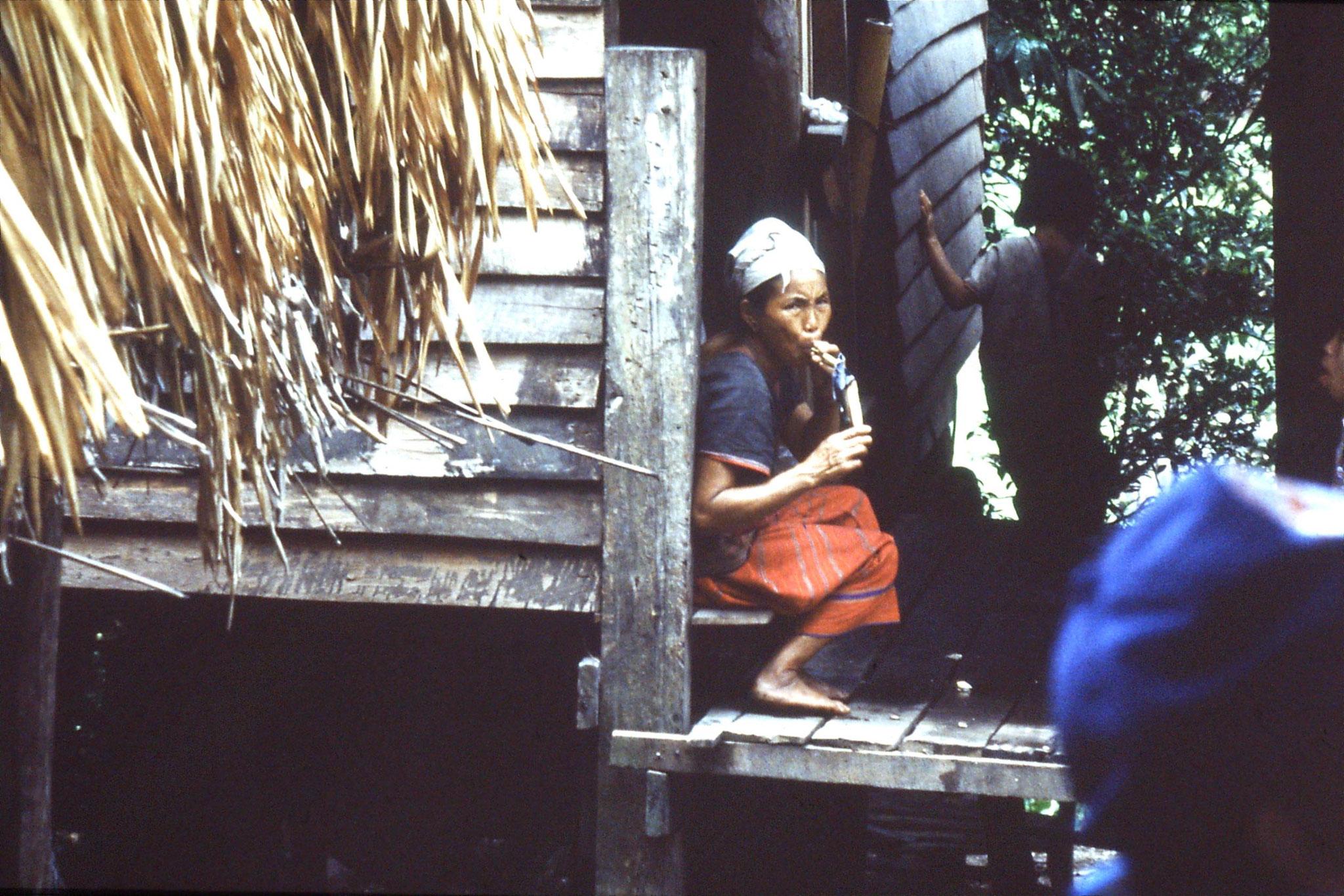 12/6/1990: 8: Trek - Mae Mi village (Karen)