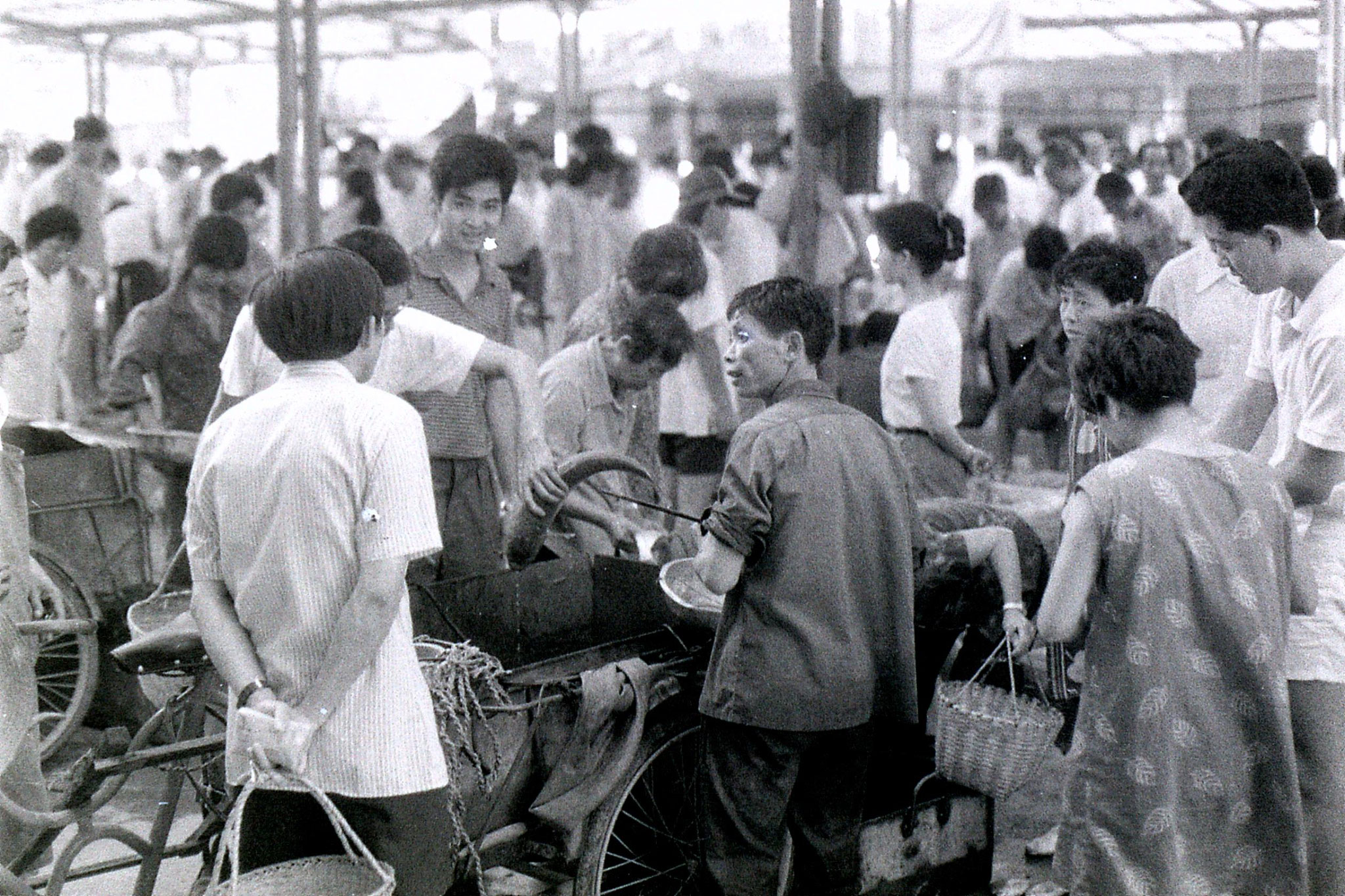 19/7/1989: 30: Zheda Free market