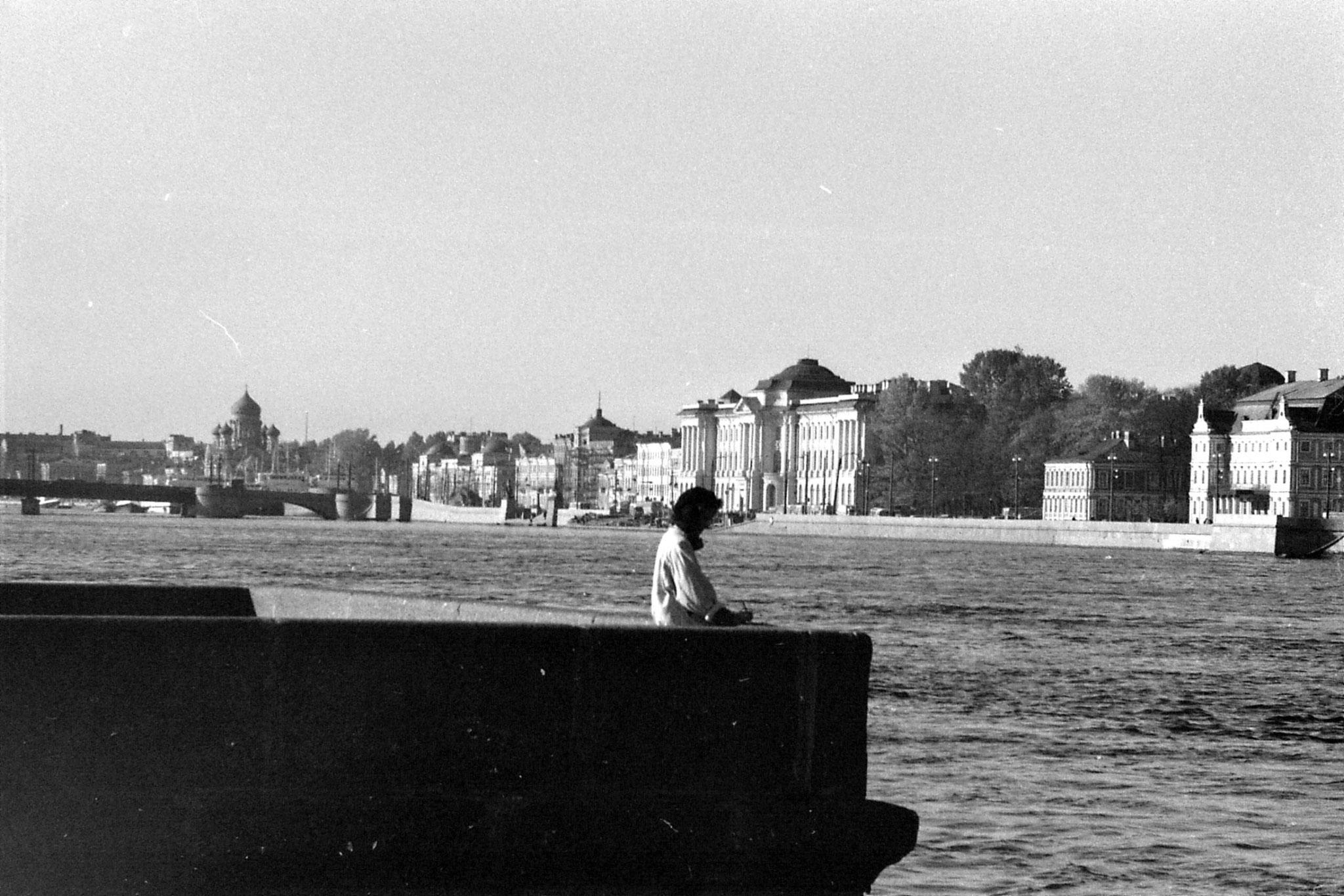 13/10/1988: 7: west along River neva