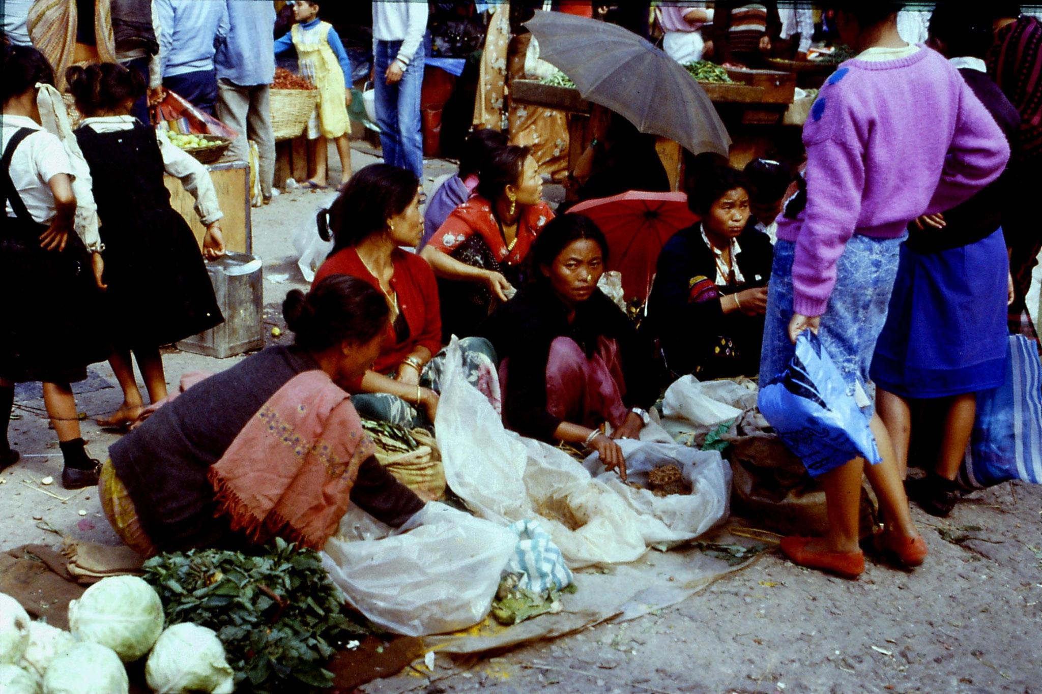 115/5: 22/4/1990 Gangtok - Lal Market