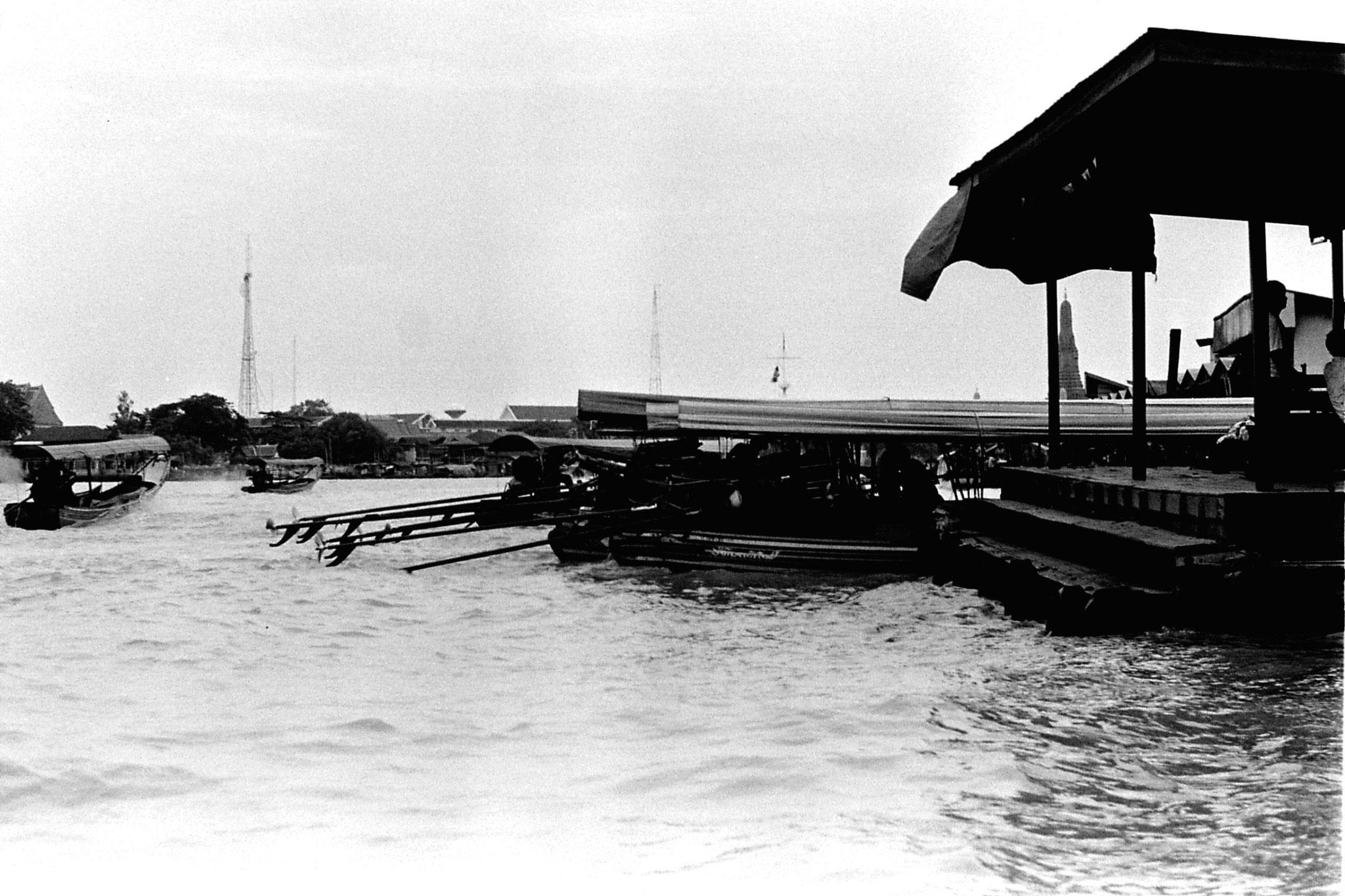 17/6/1990: 19: Bangkok, on the river