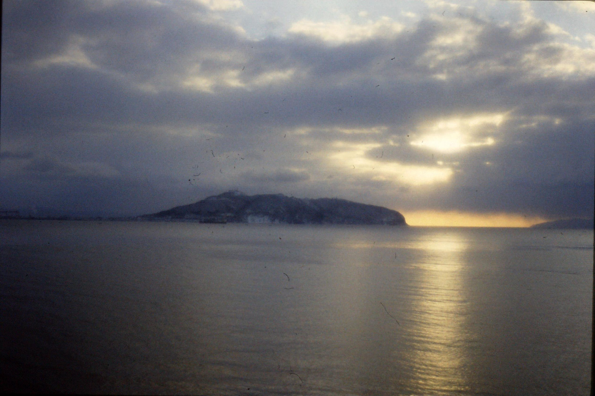 16/1/1989: 28: sunrise leaving Hakodate