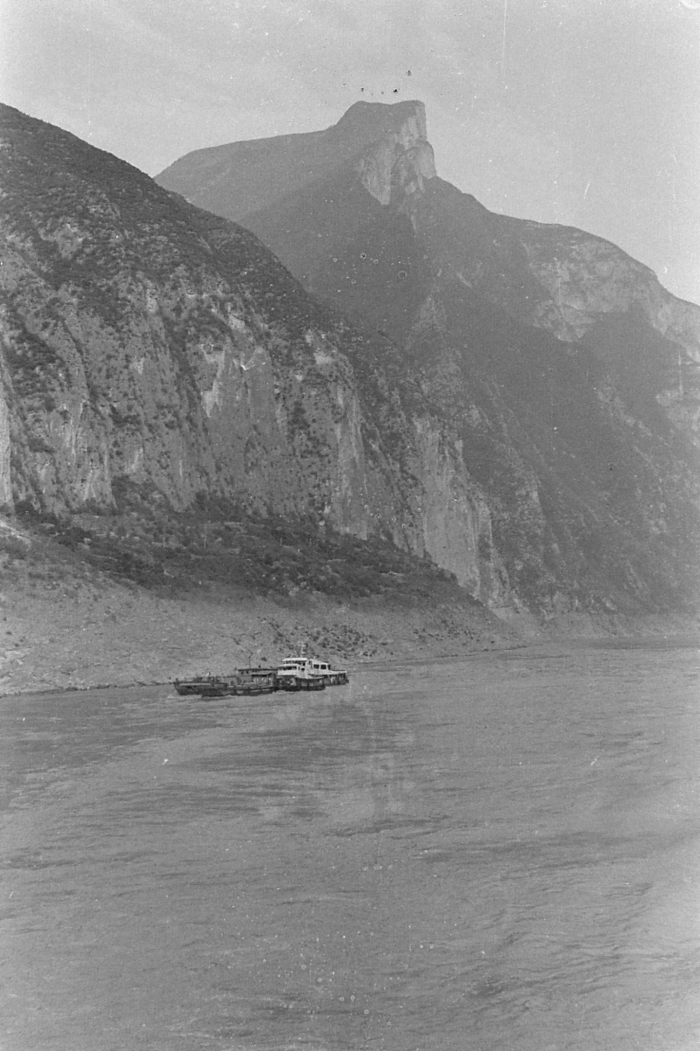 10/8/1989: 15: 1850hrs end of Qutang Gorge