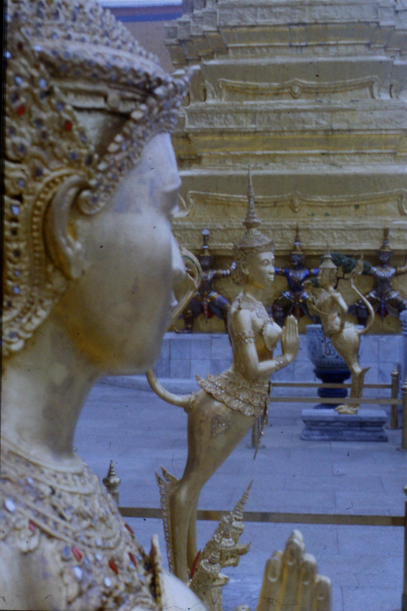 20/5/1990: 3: Bangkok Emerald Buddha temple